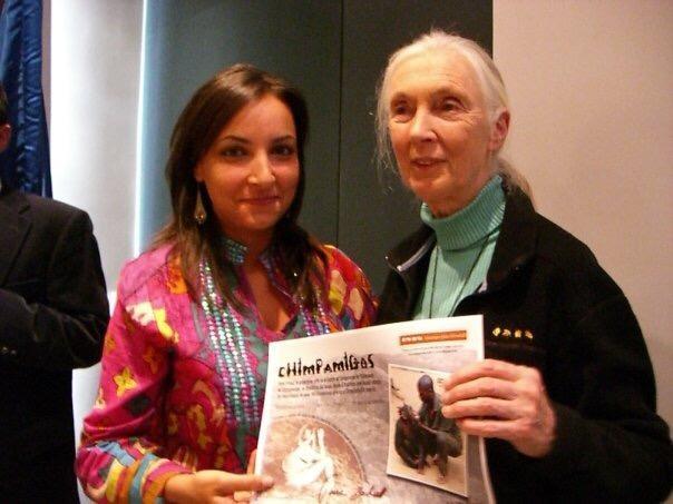 """""""Conocer a Jane Goodall fue una de las mejores experiencias de mi vida"""", afirma Luisa Martínez Cobo, ATV de la CEU UCH."""