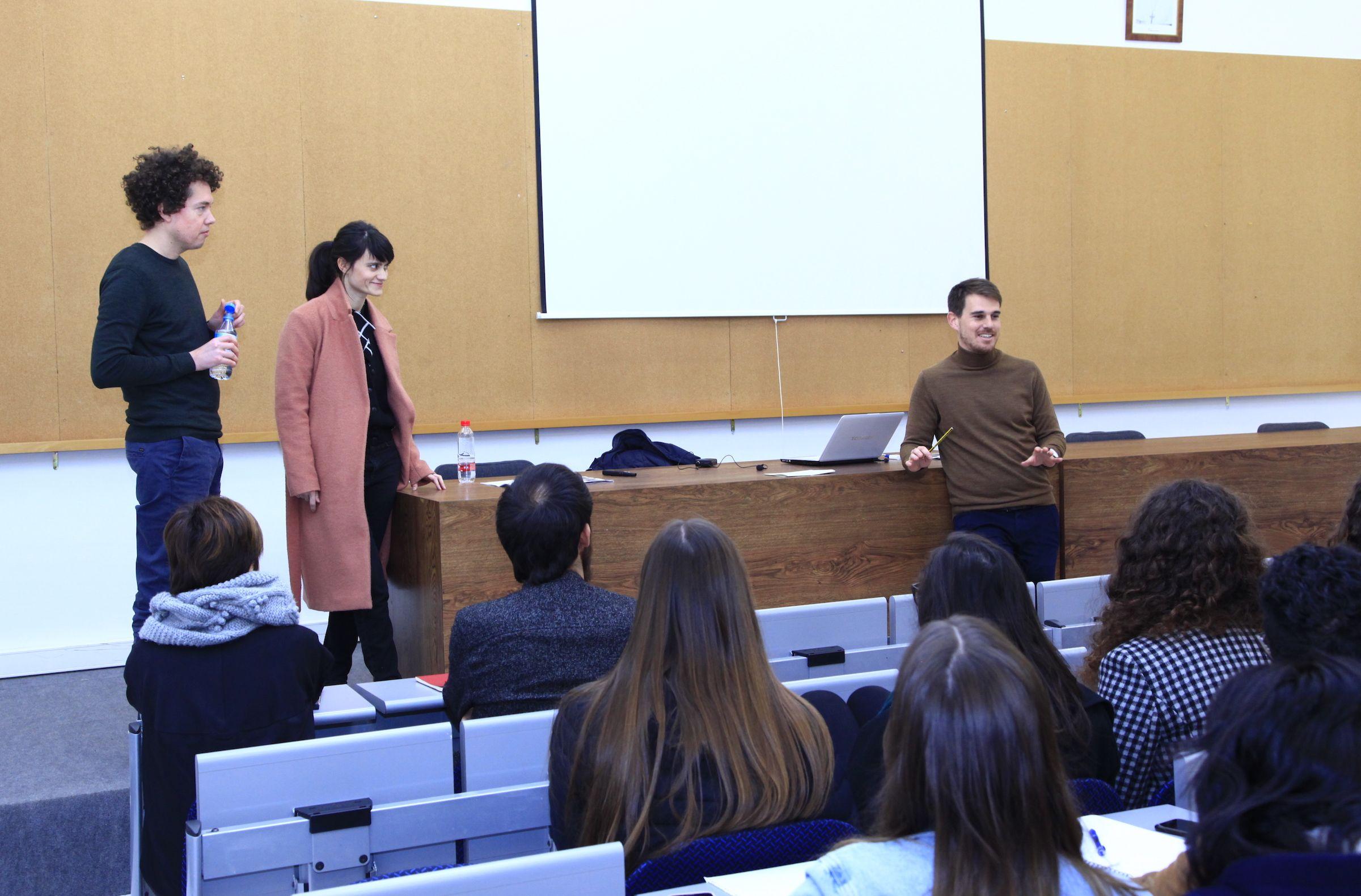 El sudirector de Arquitectura de la CEU UCH, Ignacio Juan, presenta a los arquitectos berlineses participantes en Connect.A 2018.