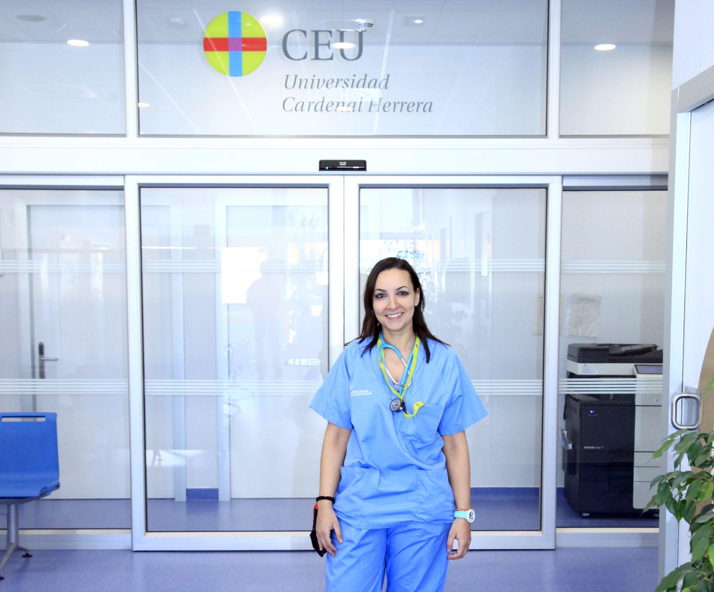 Luisa Martínez Cobo, coordinadora científica de la revista ClinATV, se incorporó en septiembre al Hospital Clínico Veterinario de la CEU UCH.