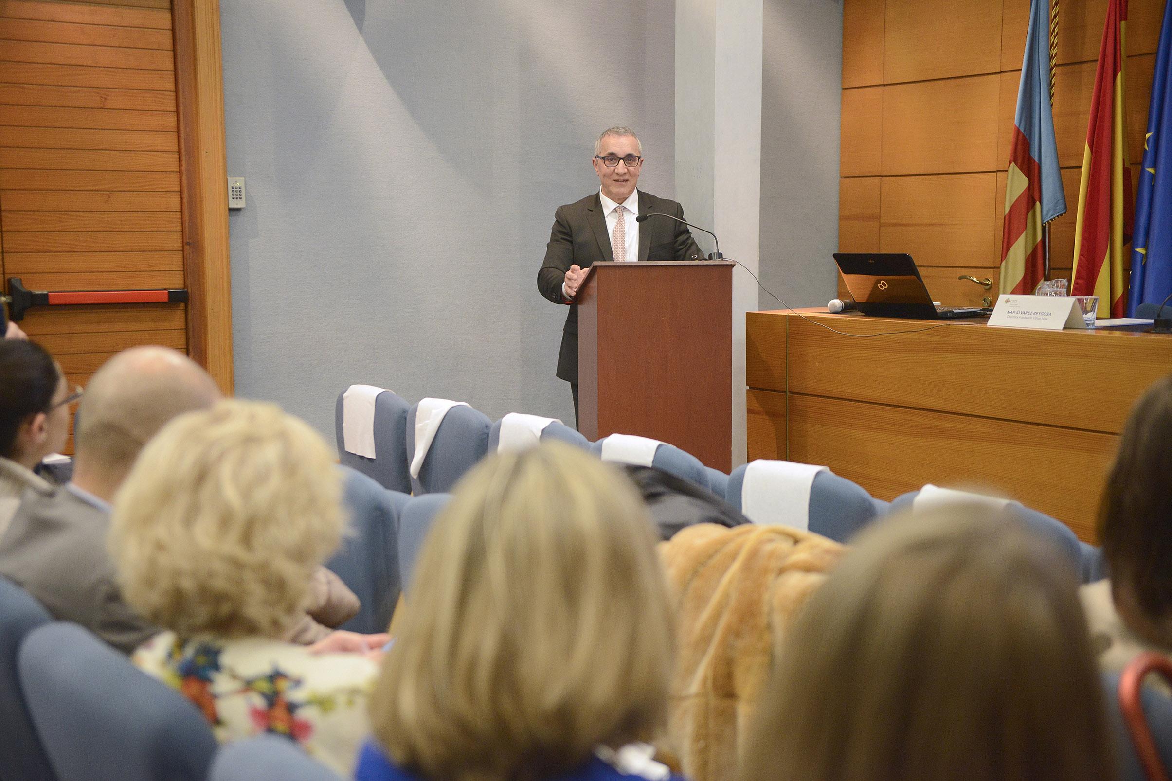 El presidente del Colegio de Enfermería de Valencia, Juan José Tirado, ha impartido la IV Conferencia anual de la Cátedra de Neurociencias CEU-Fundación Vithas Nisa.