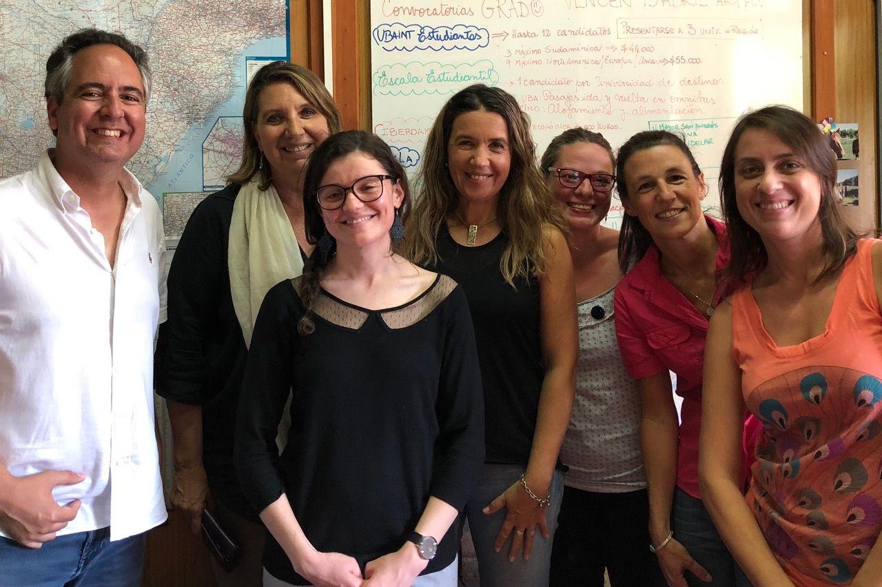 10.Encuentro con la alumna de la UCH Marie Amélie Cadars en el Departamento de Relaciones Internacionales de la Facultad de Ciencias Veterinarias de la Universidad de Buenos Aires.