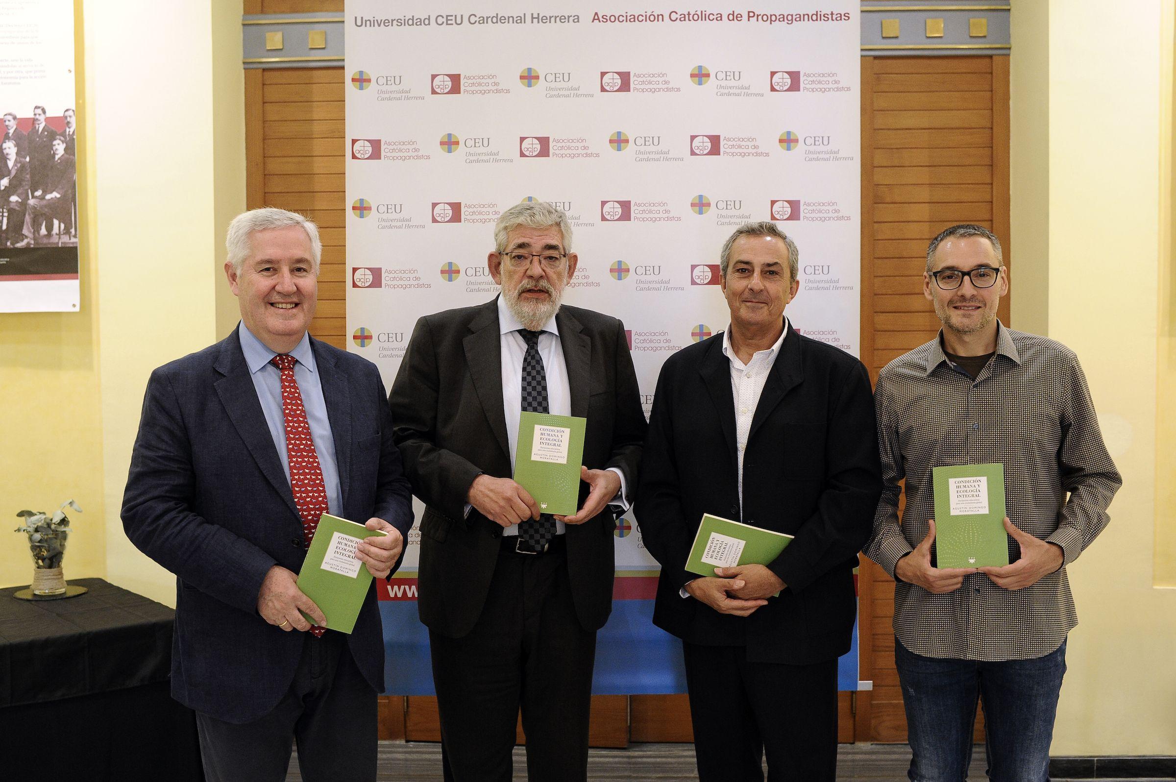 Pedro Miguel García, Vicente Navarro de Luján, Agustín Domingo y José Miguel Martínez, en la presentación del libro en el Palacio de Colomina-CEU.