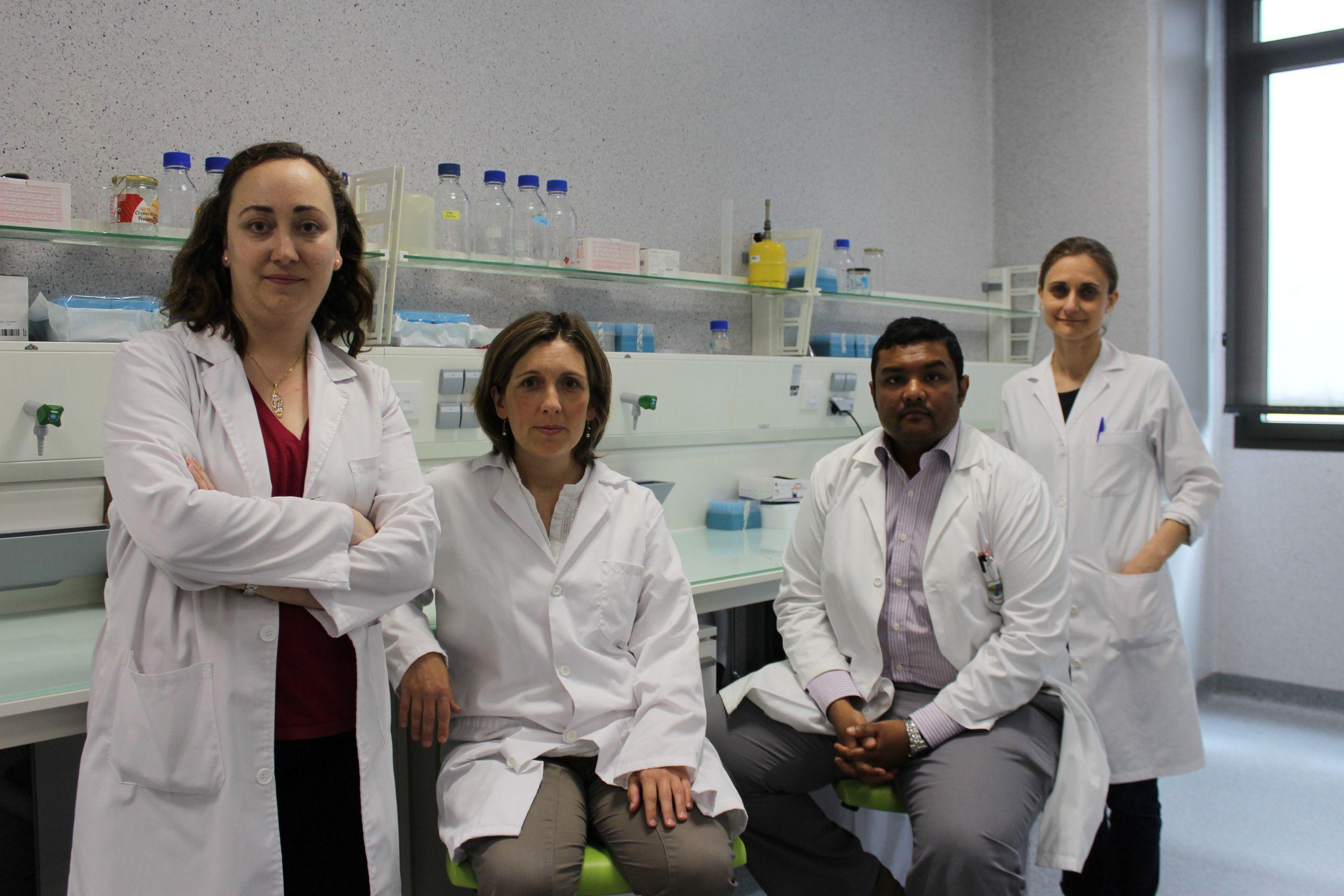 Los investigadores del Oral Microbiology Group de la Universidad CEU Cardenal Herrera Verónica Veses, Amparo Albelda, Chirag Sheth y Mar Jovani, autores del estudio.