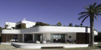 Vivienda en Jávea, obra de la arquitecta y profesora de la CEU UCH Silvia Alonso de los Ríos, incluida en CASAS Internacional Valencia.