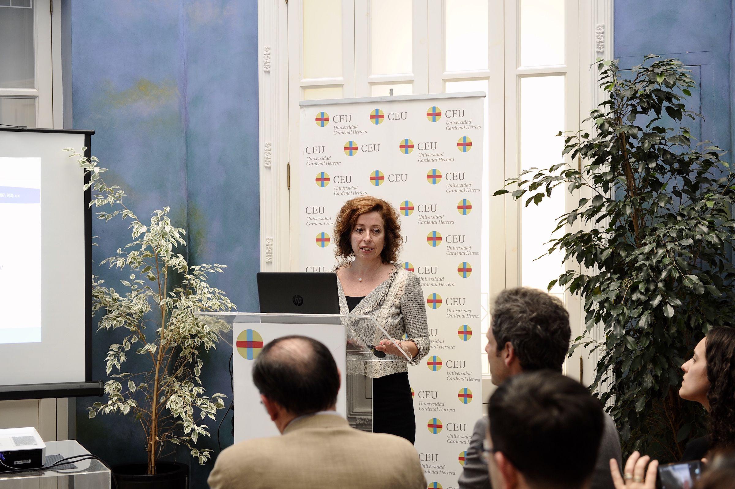 La catedrática de Farmacología de la CEU UCH, Lucrecia Moreno Royo, investigadora principal del proyecto becado por kNOW Alzheimer.