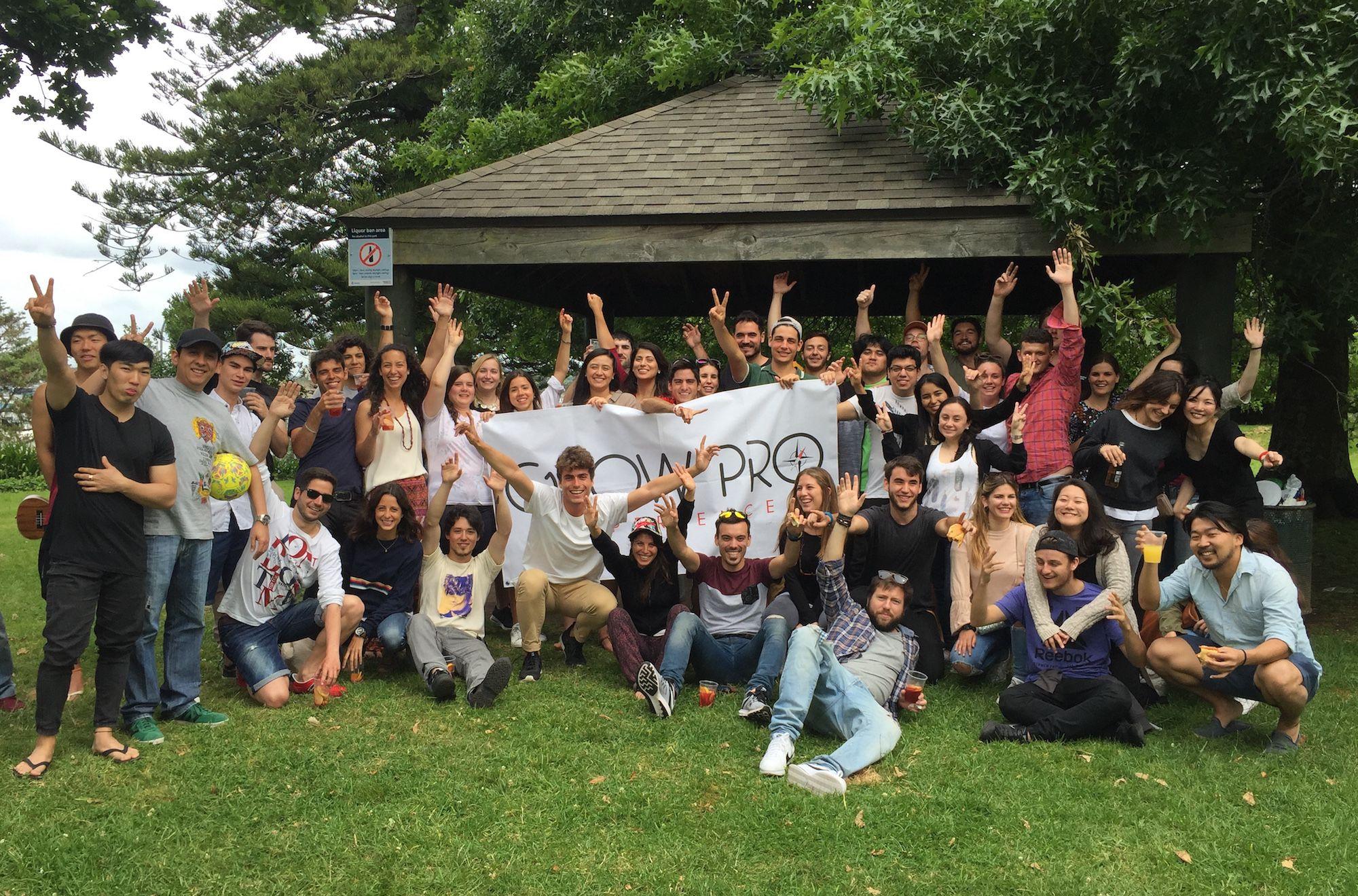 Miembros del equipo y usuarios de GrowPro Experience, en Auckland (Nueva Zelanda).