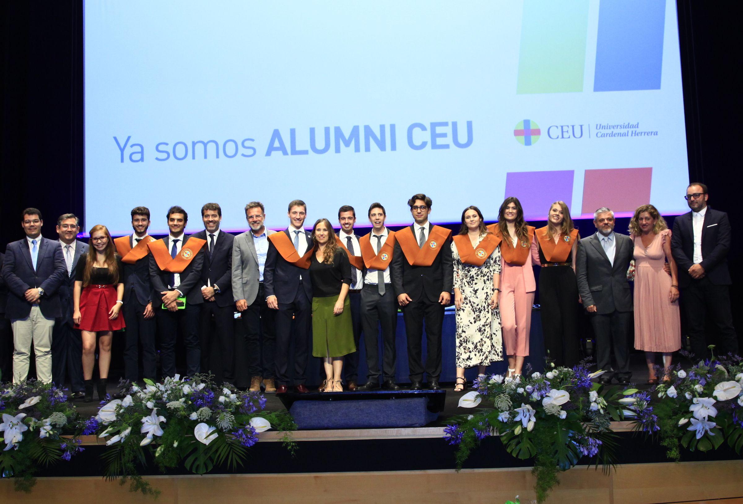 XX Promoción de Ingeniería del Diseño Industrial y Desarrollo de Productos de la CEU UCH.