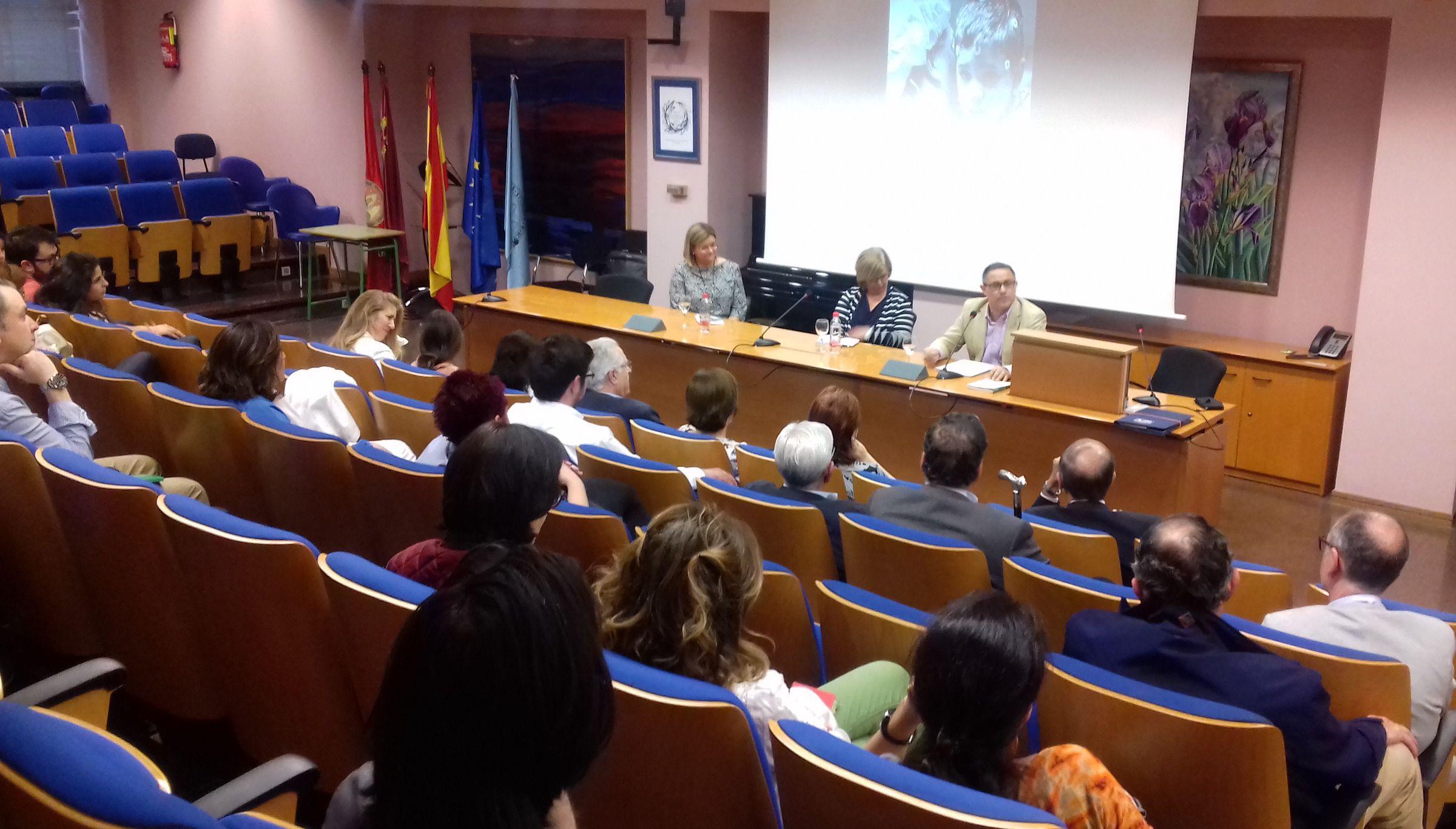Presentación del libro de Emilio García Sánchez, en el ciclo de Coloquio con Expertos del Máster de Bioética de la Universidad de Murcia.