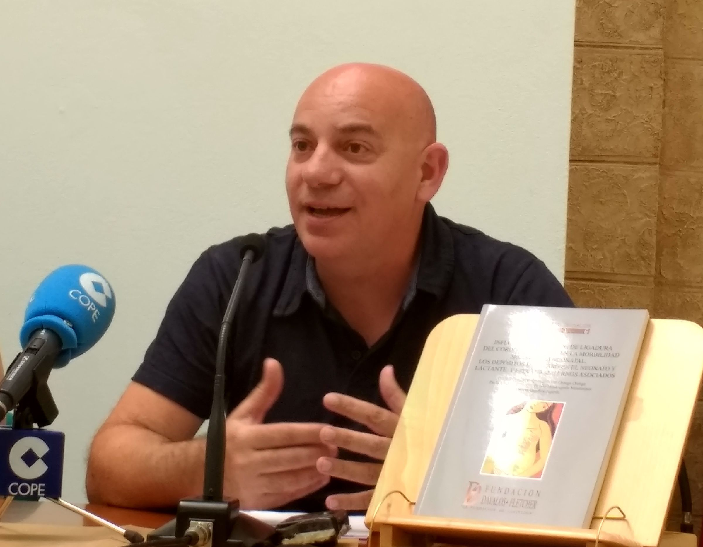 El doctor Pasqual Gregori, que ha dirigido la investigación, es pediatra del Hospital de la Plana y profesor de Pediatría en el Grado en Medicina de la CEU UCH en Castellón.