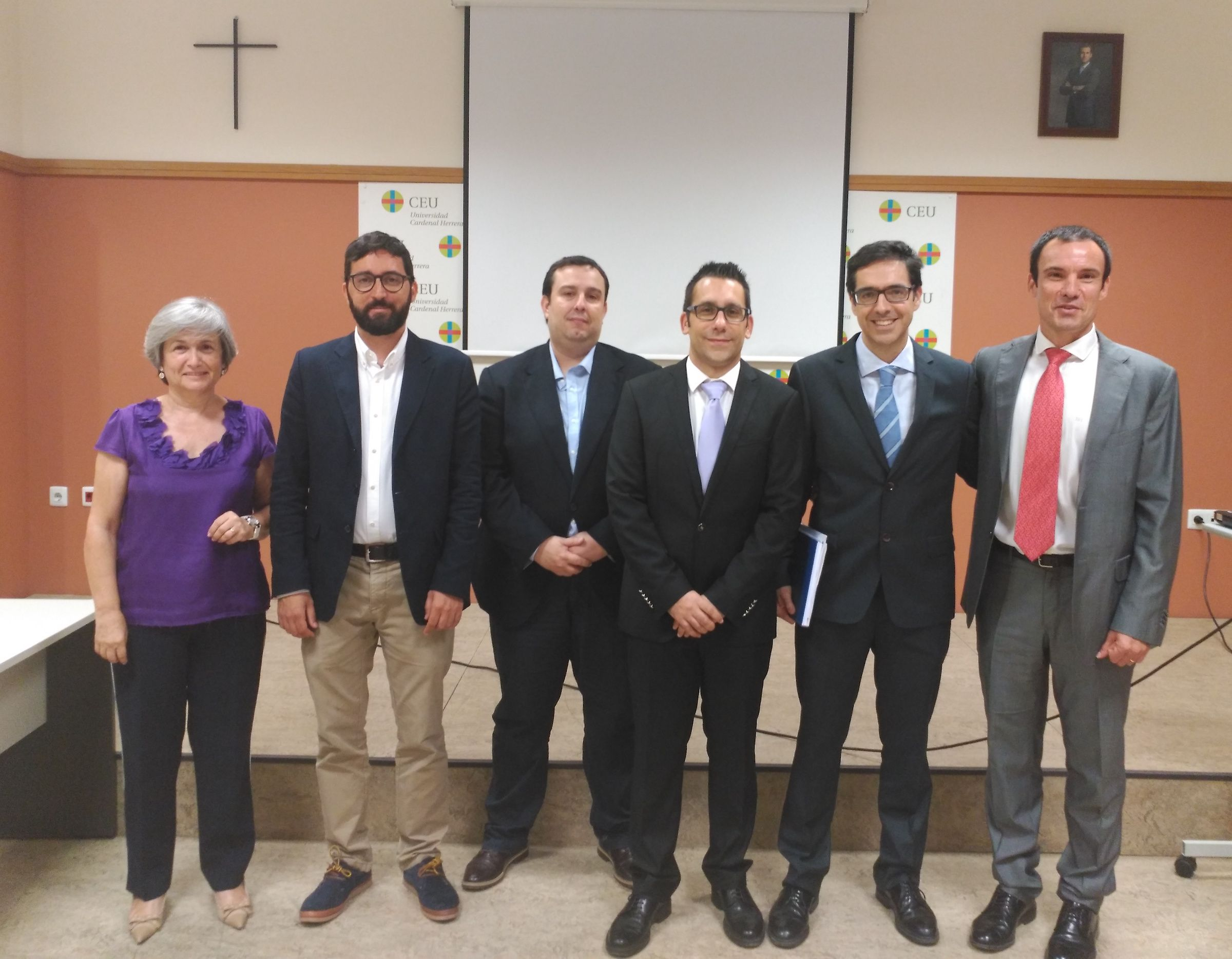 De izquierda a derecha, los investigadores Empar Lurbe (HGV), Ausiás Cebolla (UV), Jaime Guixeres (UPV), Alejandro Brunó (CEU-UCH), Julio Álvarez-Pitti (HGV) y Juan Francisco Lisón (CEU-UCH).