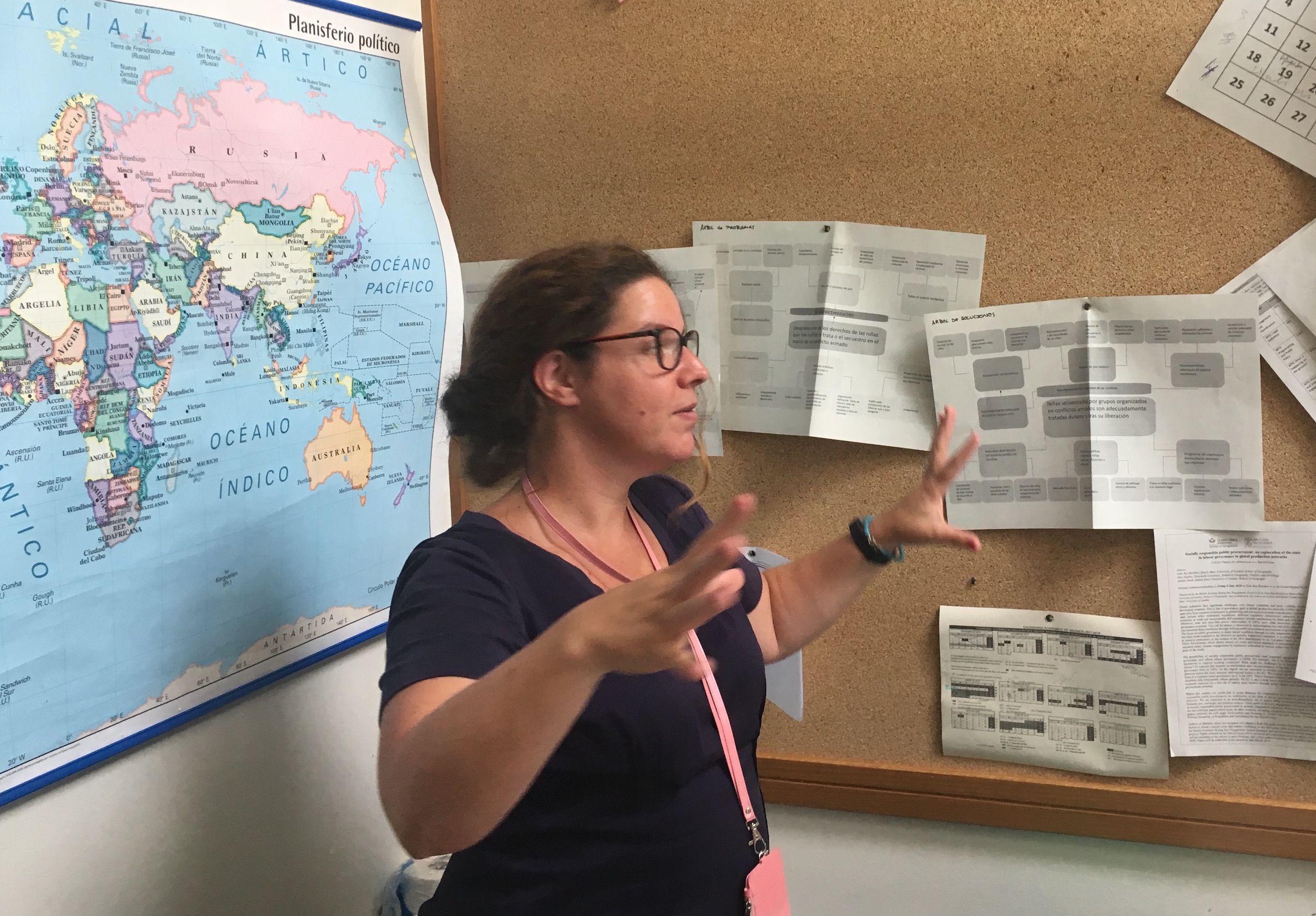La doctora Olga Martín-Ortega, de la University of Greenwich, durante su estancia como visiting scholar en la CEU UCH.