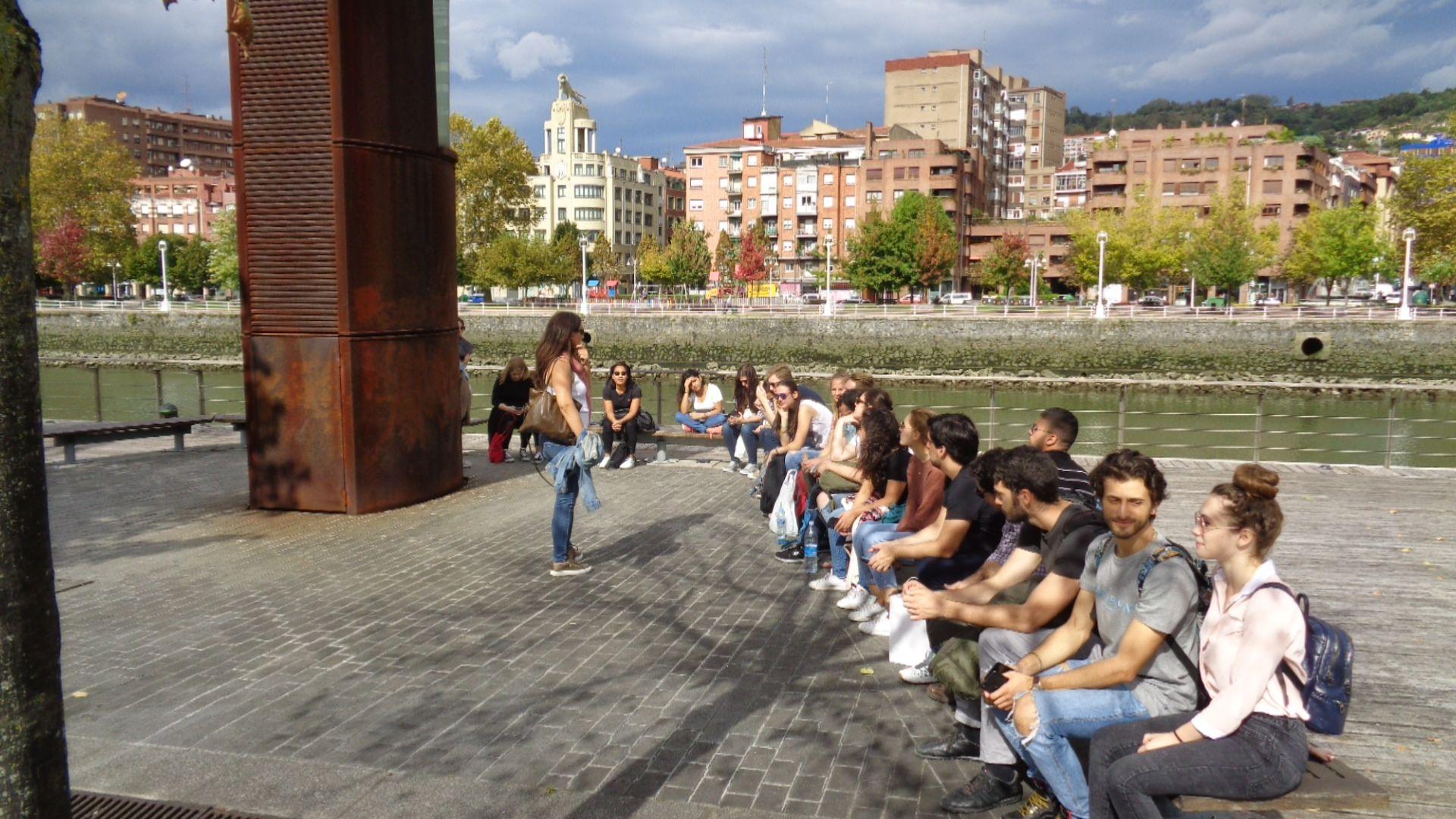 En el Paseo de la Memoria de Bilbao.