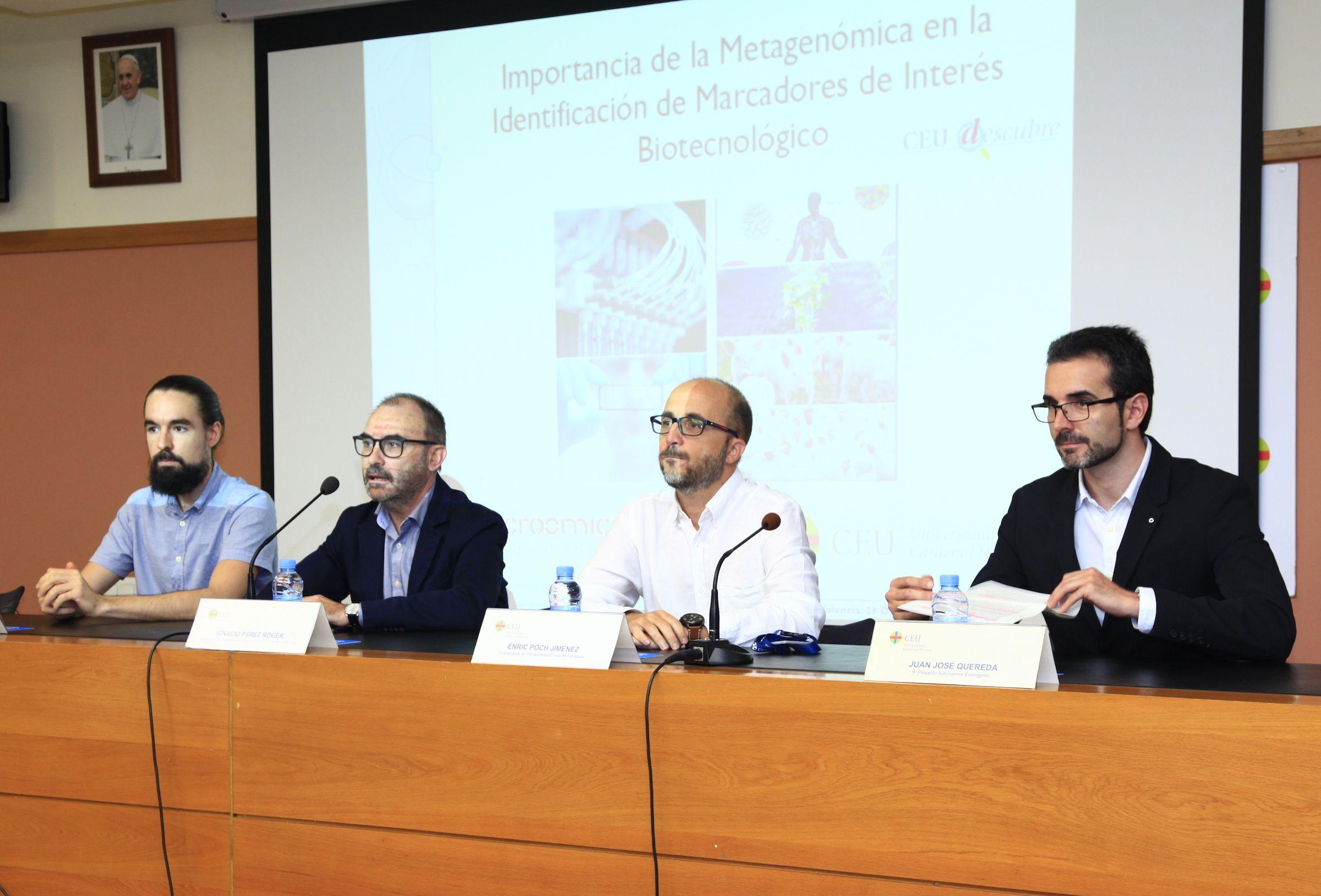 Pedro González, Ignacio Pérez, Enric Poch y Juan José Quereda, en la presentación de la sesión del ciclo CEU Descubre sobre metagenómica.