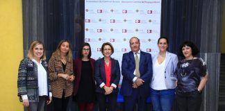Los integrantes del Observatorio de Gobernanza, Transparencia y RSC de la Universidad CEU Cardenal Herrera, en el acto de presentación, con la rectora Rosa Visiedo.