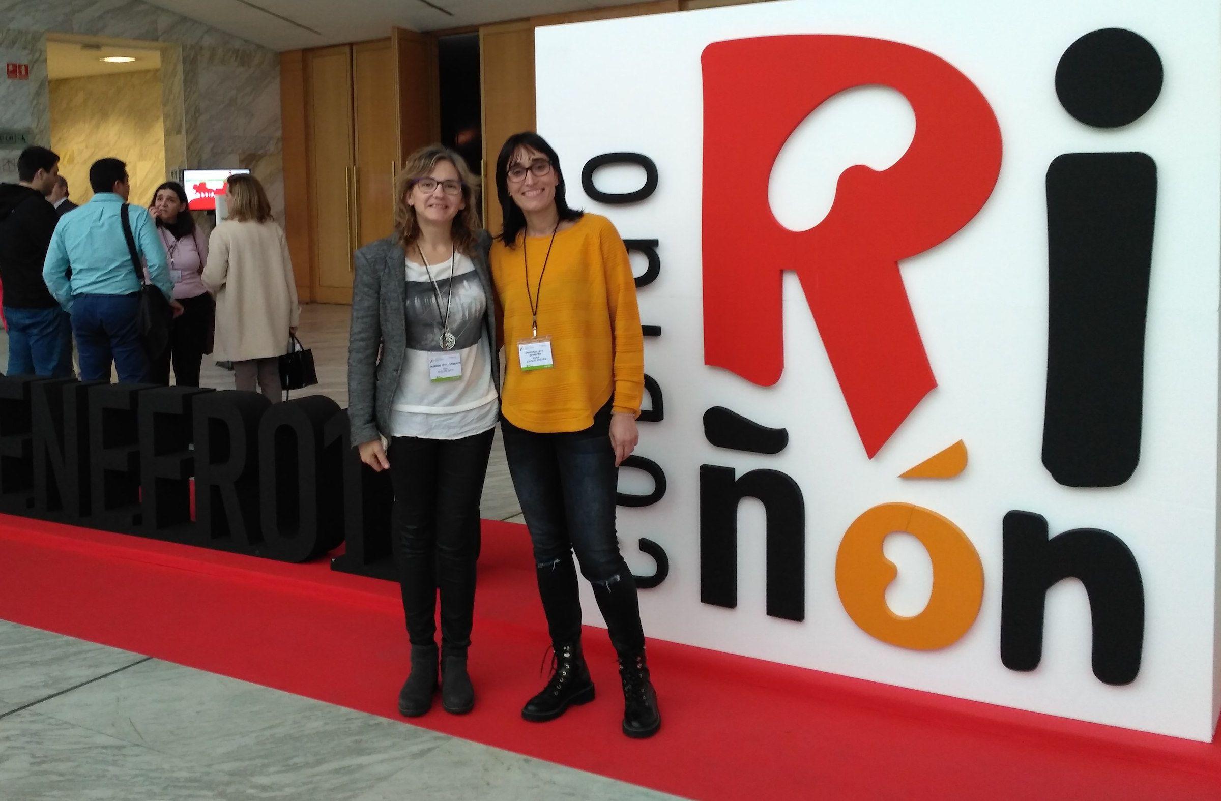 Eva Segura y Anna Junqué, durante la primera reunión de GEMEFER, grupo nacional multidisciplinar para ejercicio en diálisis.