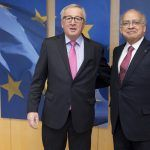 Jean-Claude Juncker y el profesor Fausto de Quadros, en Bruselas.