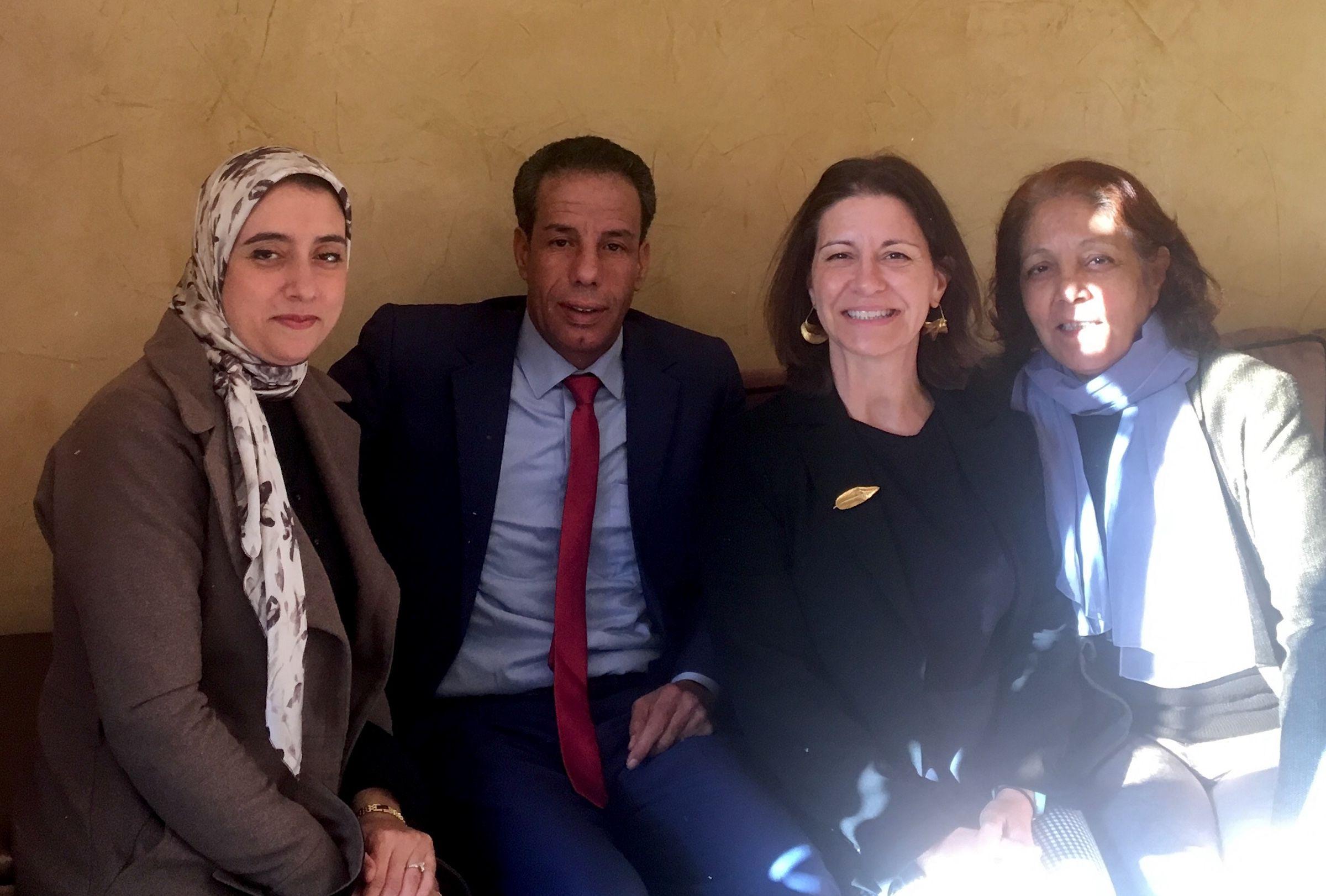 Con la doctora Fatiha Sahli e investigadores de la Universidad Cadi Ayyad.