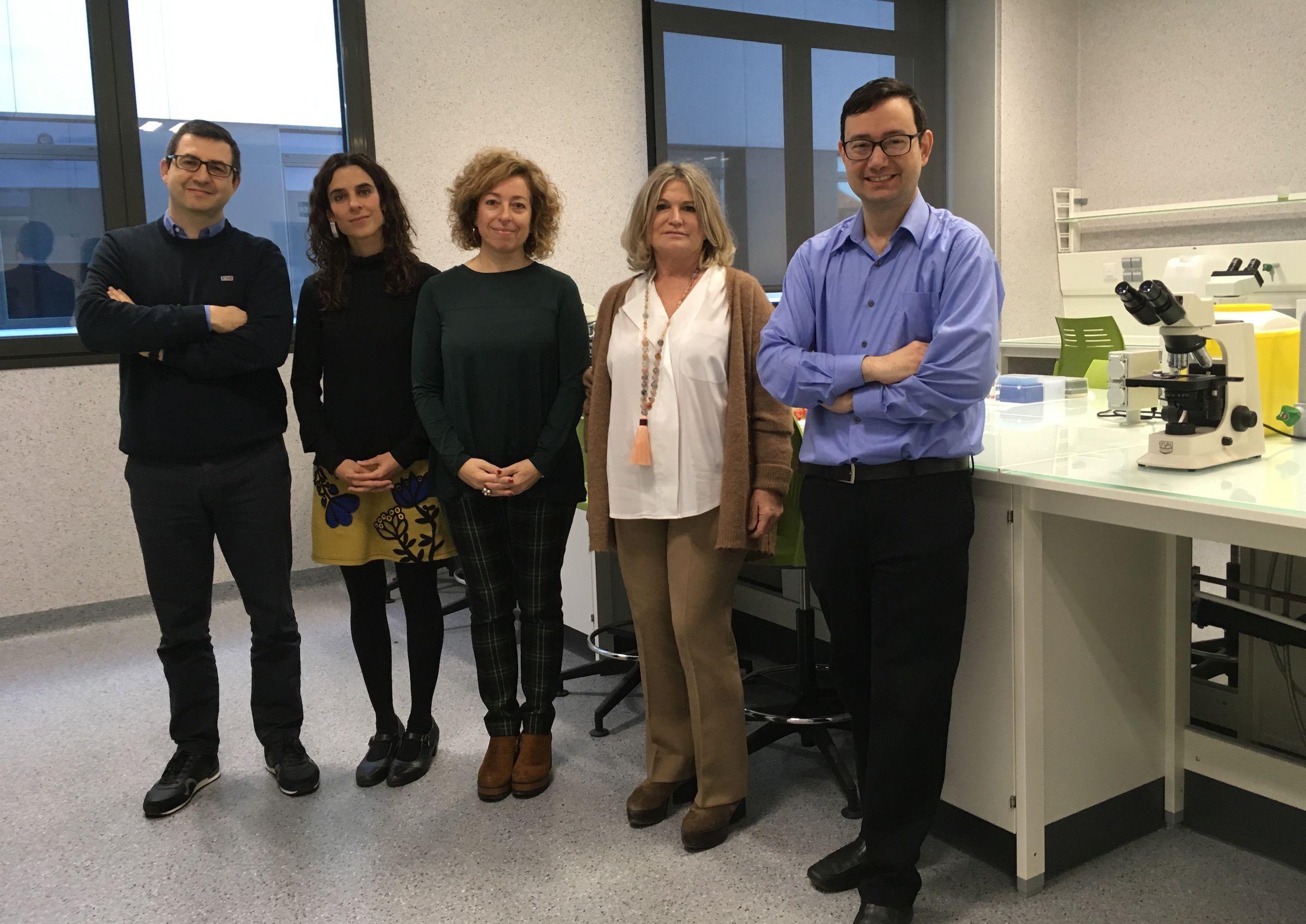 Los investigadores de la CEU UCH Juan Pardo, María Dolores Guerrero, Lucrecia Moreno, Maite Climent y Javier Muñoz, autores del estudio sobre detección precoz del deterioro cognitivo en farmacias.