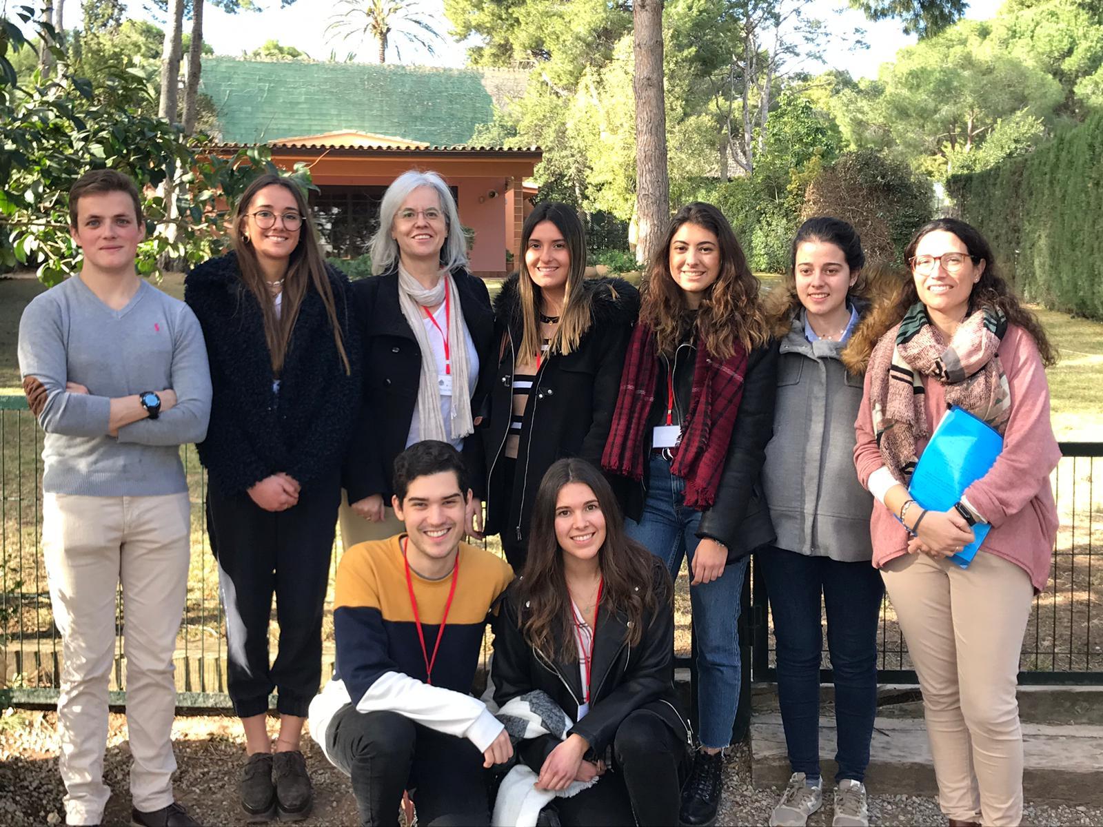Estudiantes y profesores del equipo SWICEU, en el Colegio Edelweiss, uno de los 7 participantes en el proyecto.
