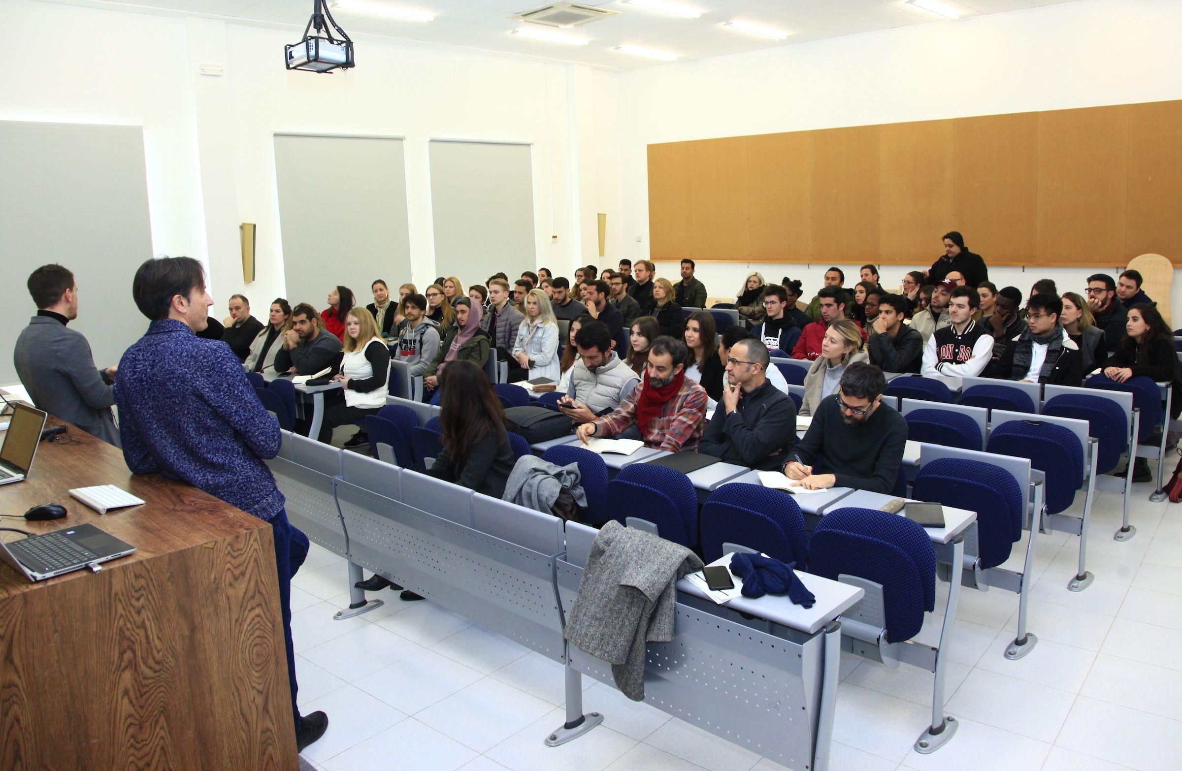 Los profesores Ignacio Juan y Andrés Ros, en la presentación de ConnectA 2019.