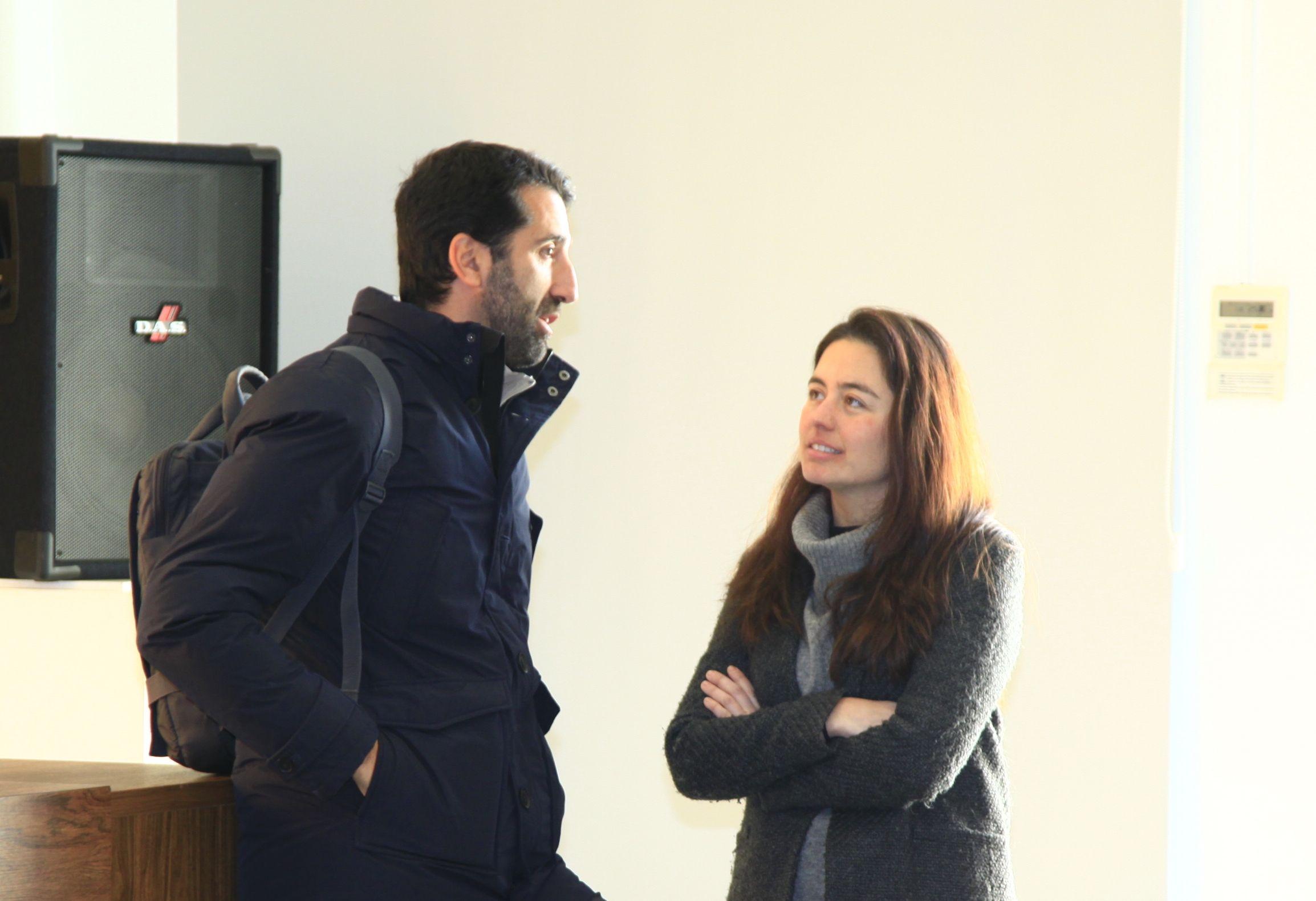 El profesor Alfonso Díaz, junto a la arquitecta del estudio danés Dorte Madrup, Teresa Blasco, alumni CEU UCH.