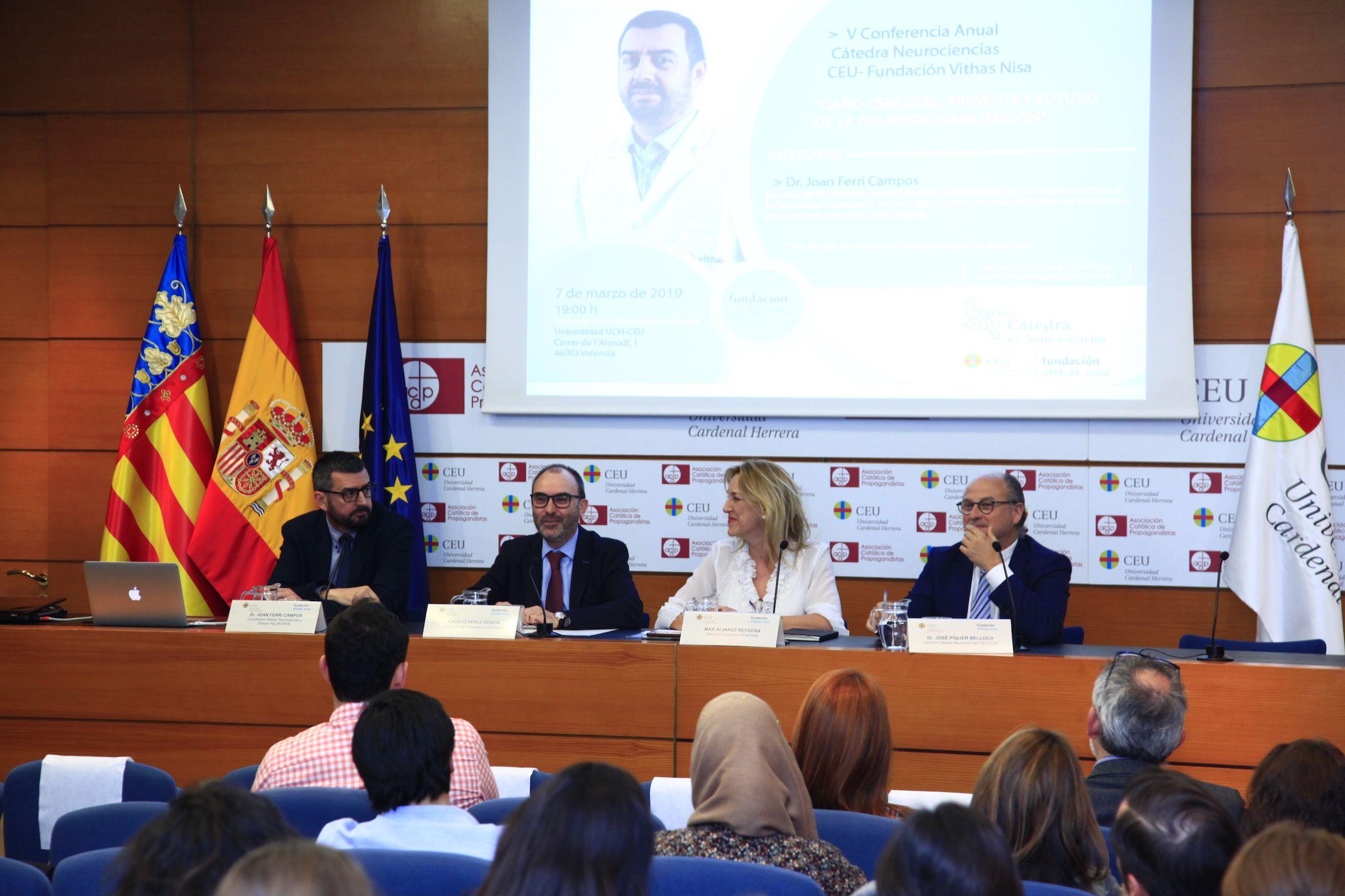 Joan Ferri, Ignacio Pérez, Mar Álvarez y José Piquer, en la V Conferencia de la Cátedra de Neurociencias CEU-Fundación Vithas Nisa.