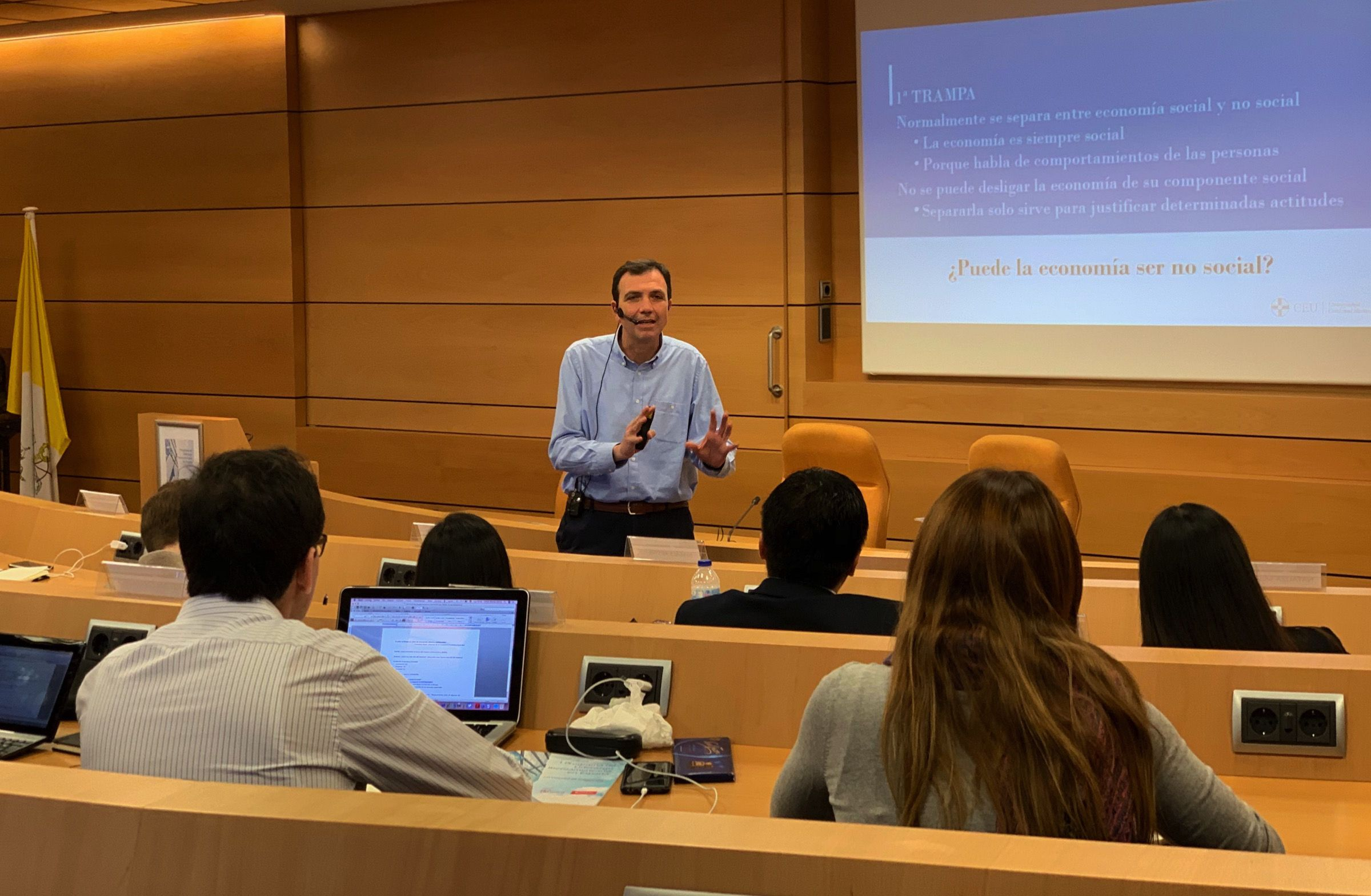 El profesor de la CEU UCH Enrique Lluch, ponente invitado al I Programa de Liderazgo Iberoamericano en España de la Fundación Pablo VI.