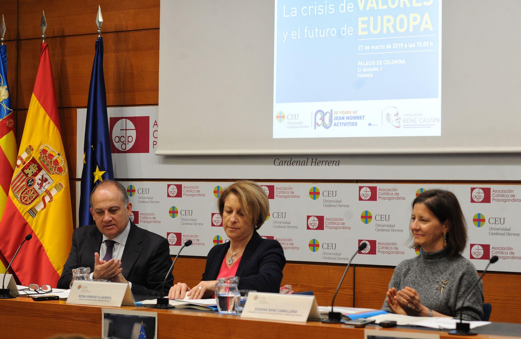 Joan Calabuig, Rosa Visiedo y Susana Sanz, en la inauguración de las sesiones.