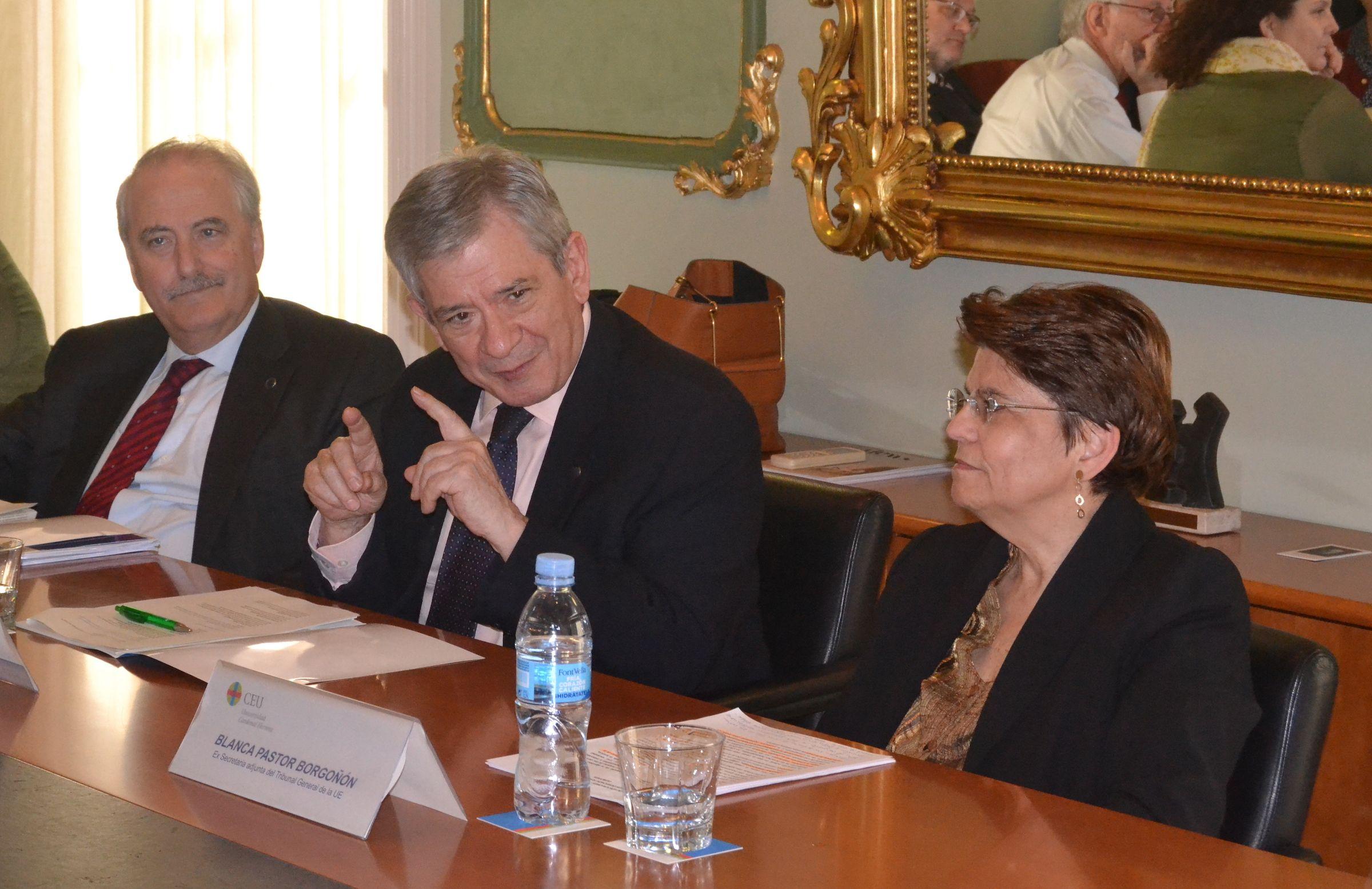 Francisco Fonseca, Enrique Barón y Blanca Pastor, durante el encuentro de expertos.