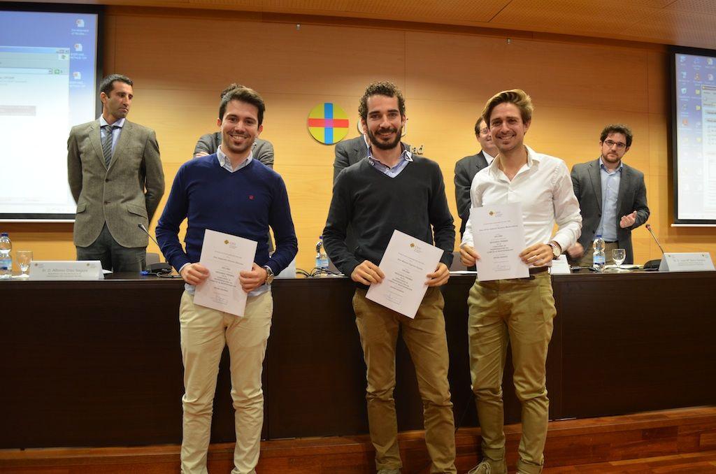 Manuel Agulles, Alejandro Alonso y Víctor Romero, de Arquitectura CEU-UCH, ganaron el segundo premio en el Concurso de Reordenación del Campus de Montepríncipe.