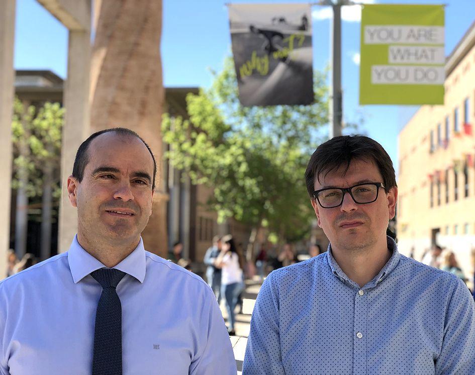 Los profesores Juan Manuel Corpa y David Viana, directores de la tesis doctoral.