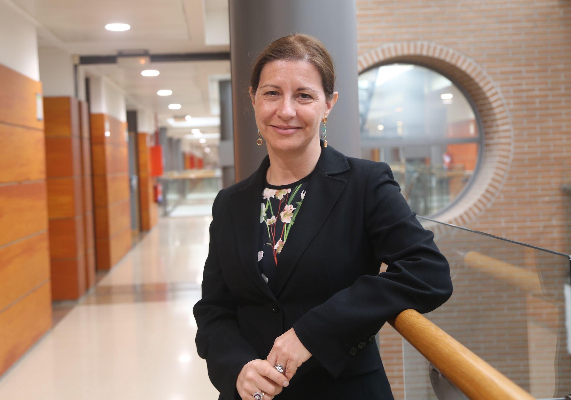 Susana Sanz, nueva juez 'ad hoc' del Tribunal de Estrasburgo, en la Facultad de Derecho y Ciencias Políticas de la CEU UCH, de la que es catedrática.