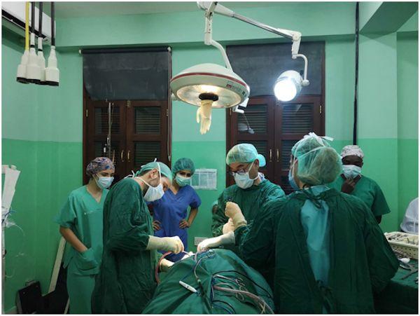 Sesiones formativas en el en el Mnazi Mmoja NED Surgical Institute, en Zanzíbar.