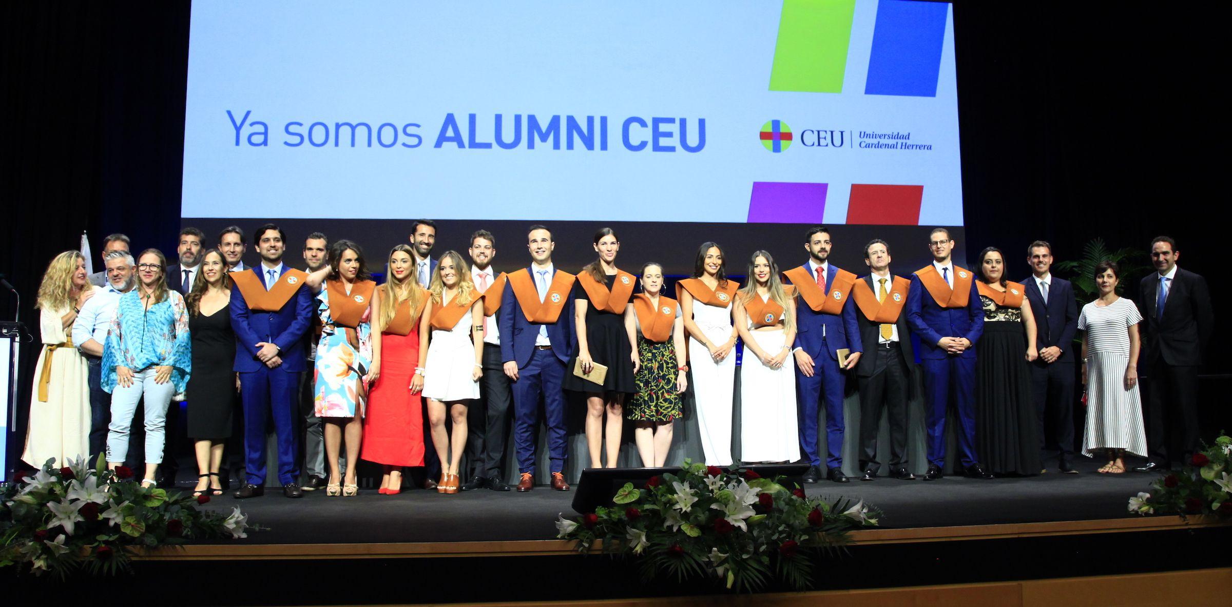 XIII Promoción de graduados en Arquitectura por la CEU UCH.