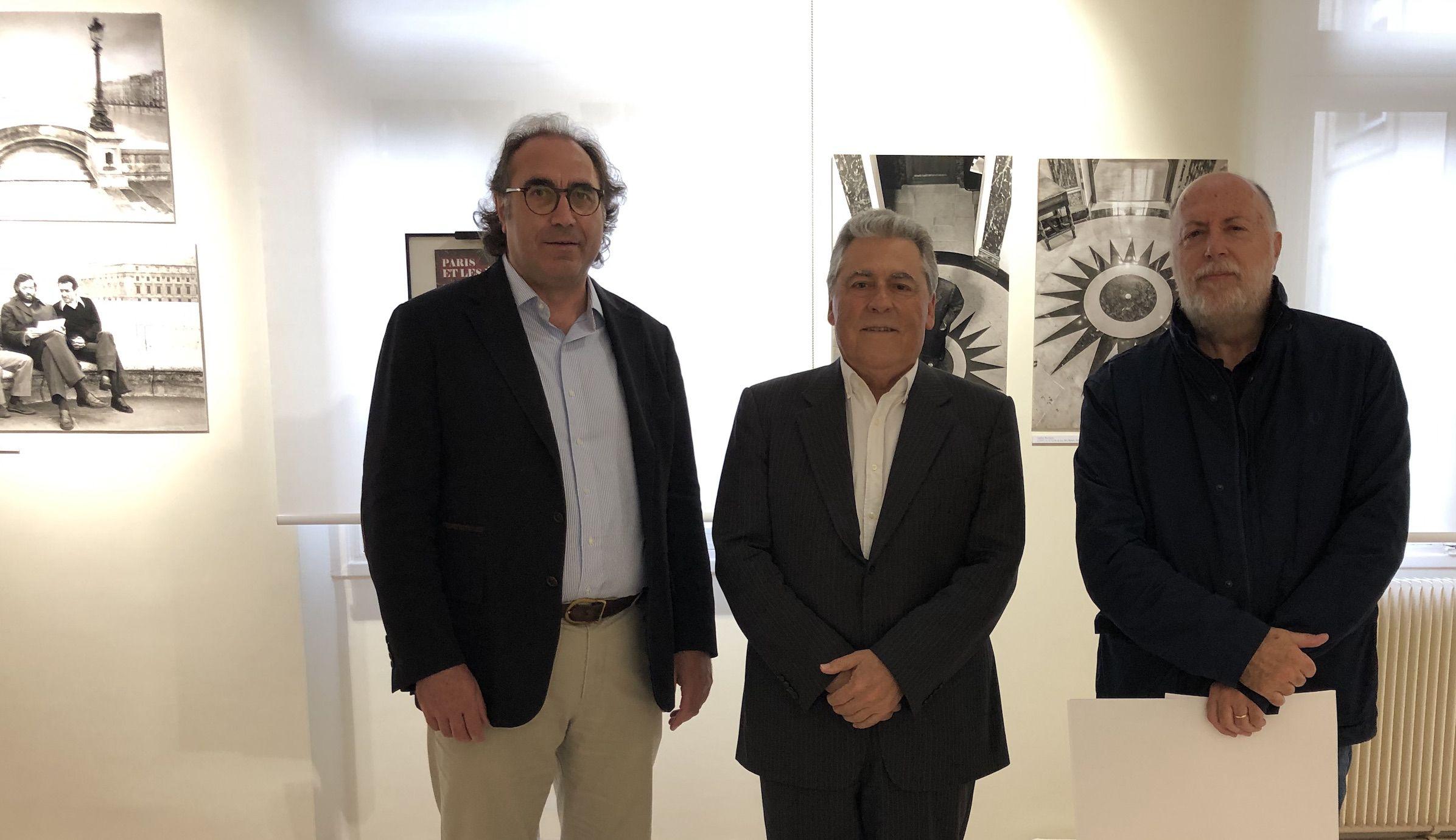 Los profesores de la CEU UCH, con Justo Zambrano, director del Colegio de España en París.