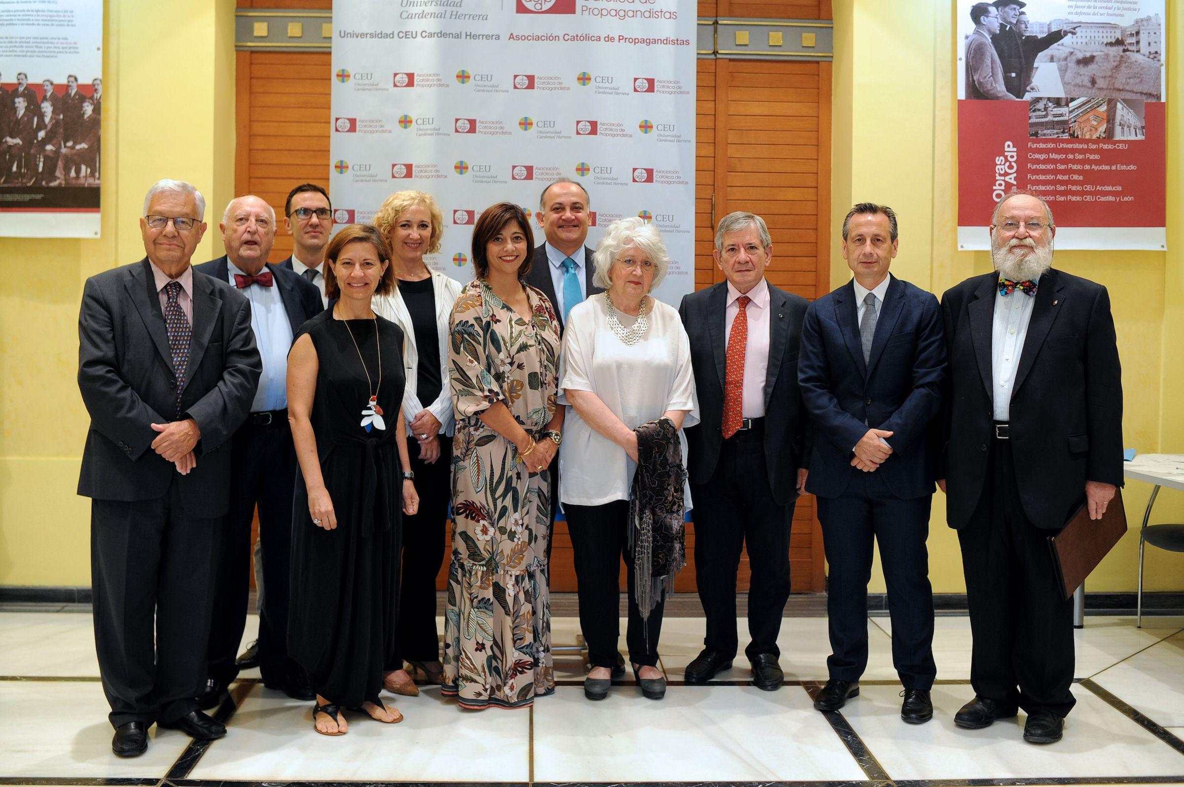 """Diez expertos analizan en Valencia el coste de una """"no Europa"""", en una Jornada organizada por la CEU UCH y la Generalitat Valenciana."""