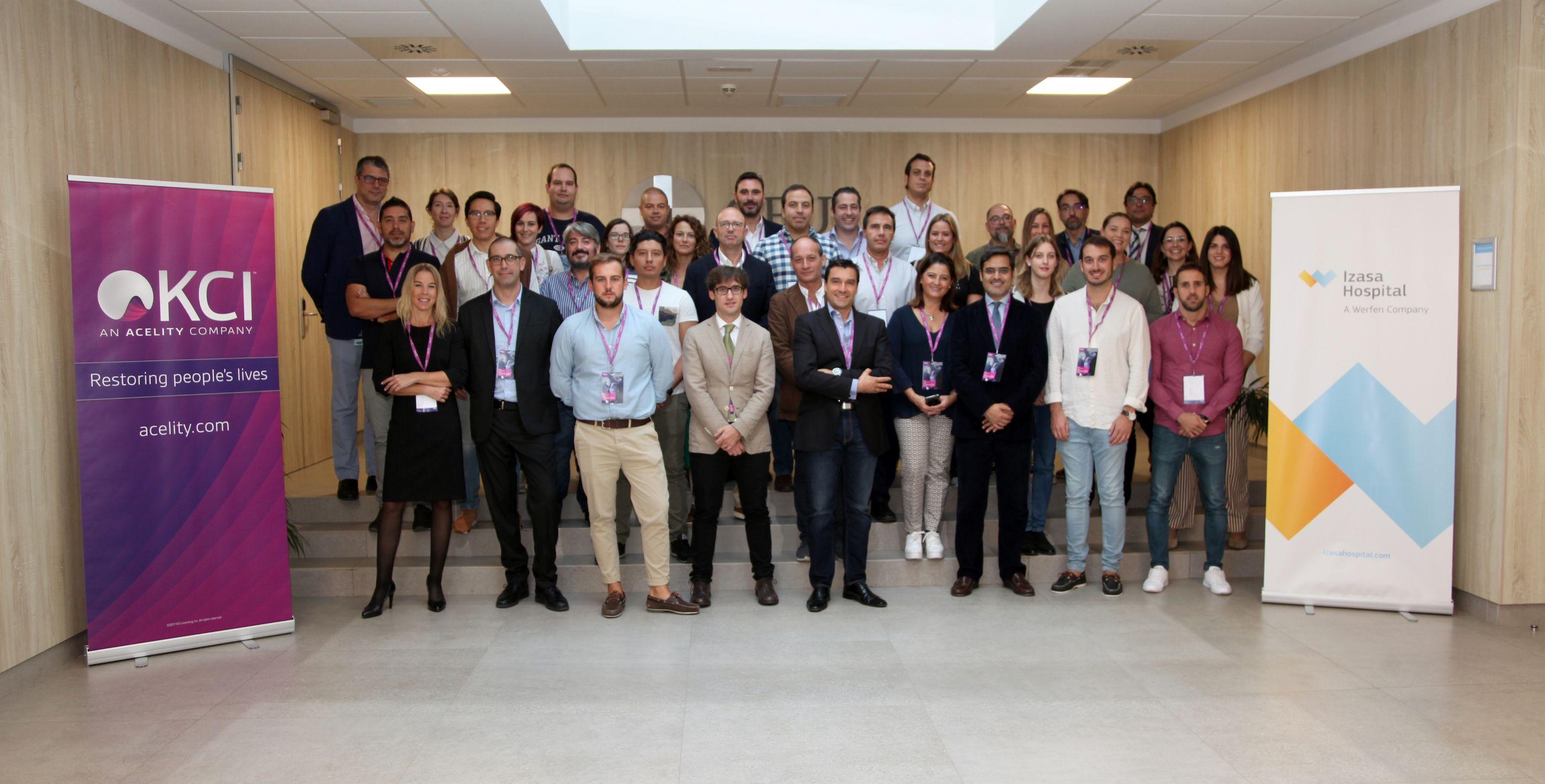 Especialistas en la jornada sobre técnicas quirúrgicas con presión negativa, en la jornada organizada por Acelity en la CEU UCH.