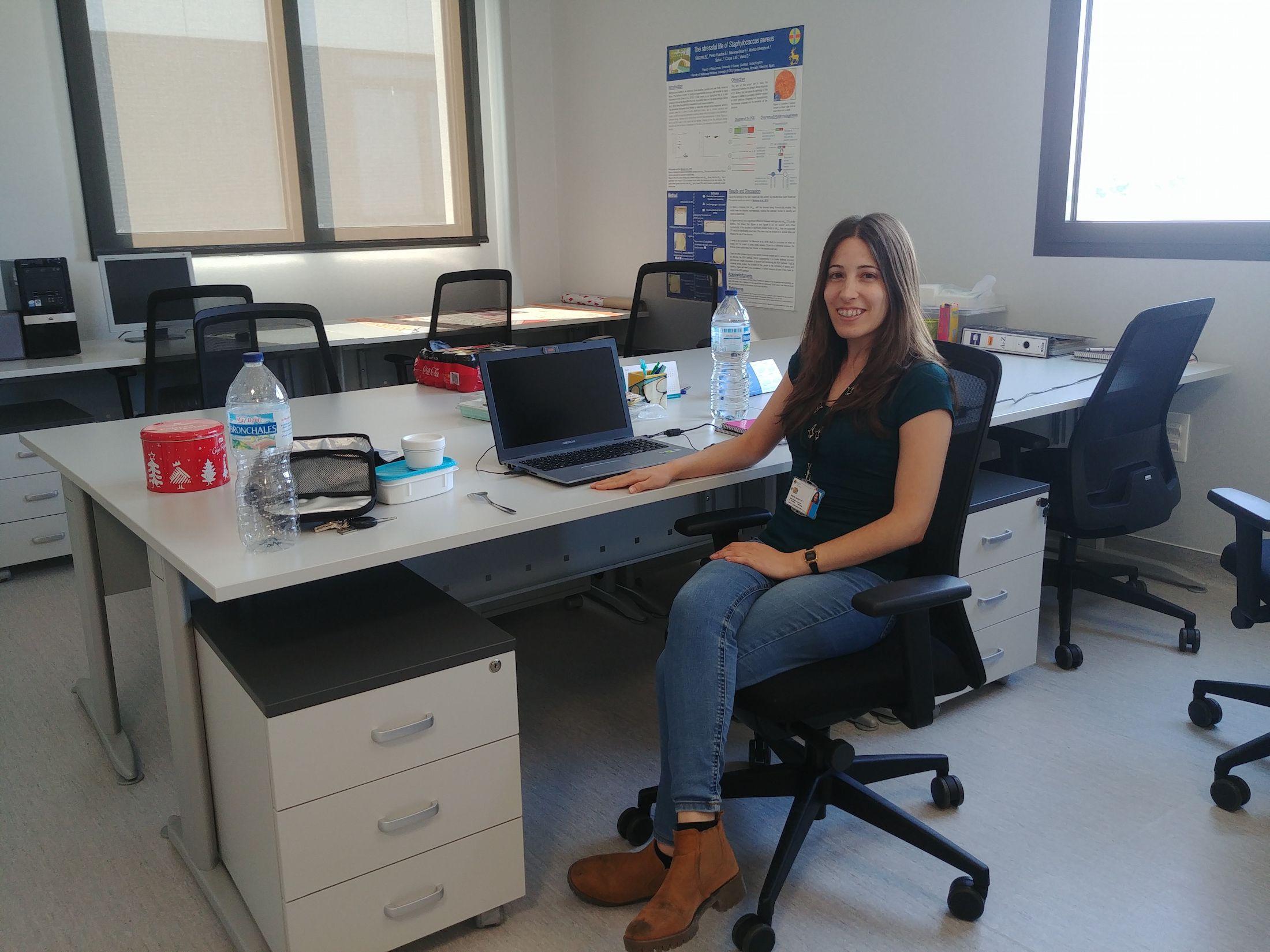 Sara Pérez Fuentes ultima su tesis doctoral en el Grupo de Investigación en Patología y Sanidad Animal de la CEU UCH.