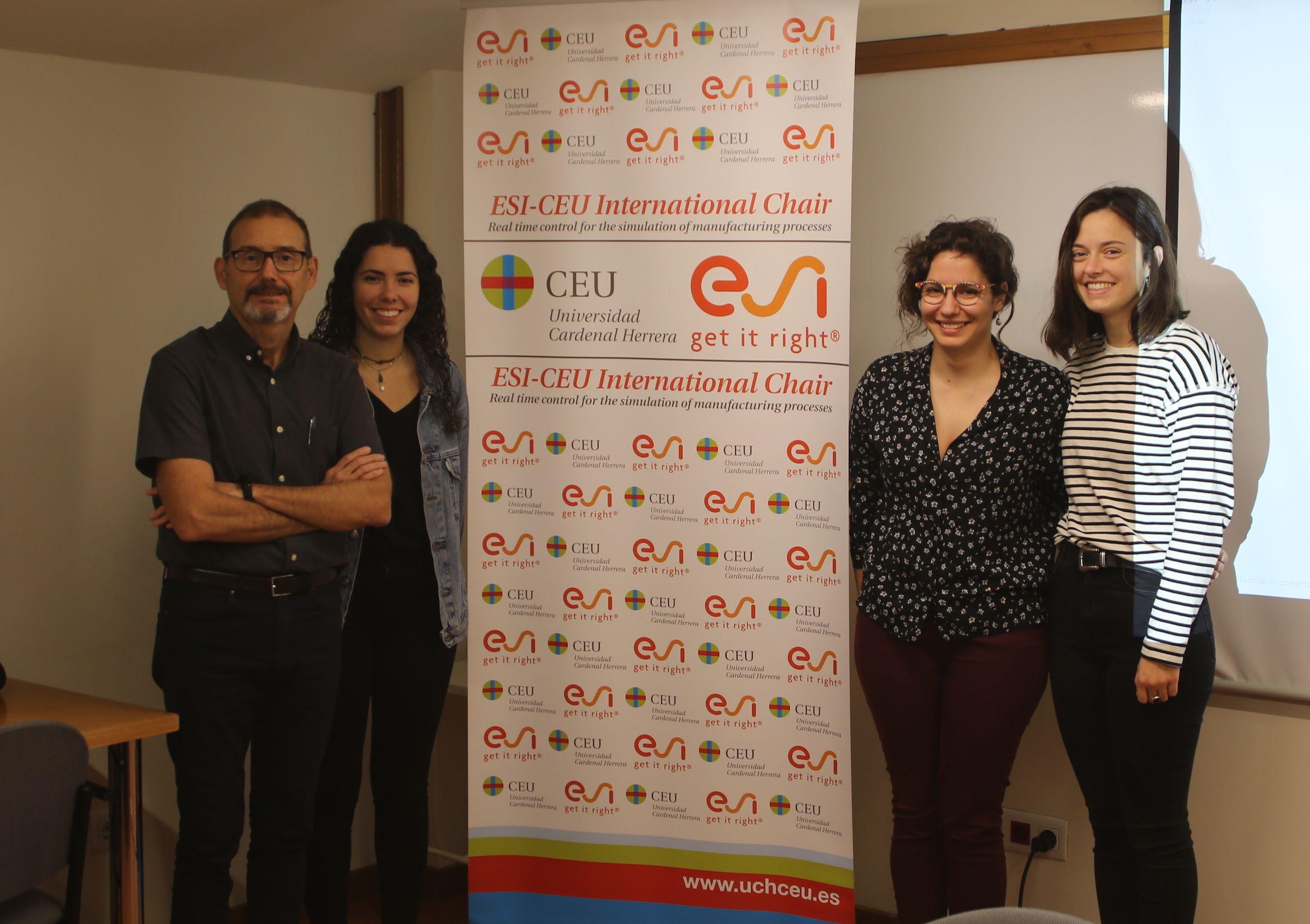 María Simó, Cristina Edo e Irene Hernández realizan sus prácticas de Grado en la Cátedra ESI-CEU, que dirige el profesor Antonio Falcó.