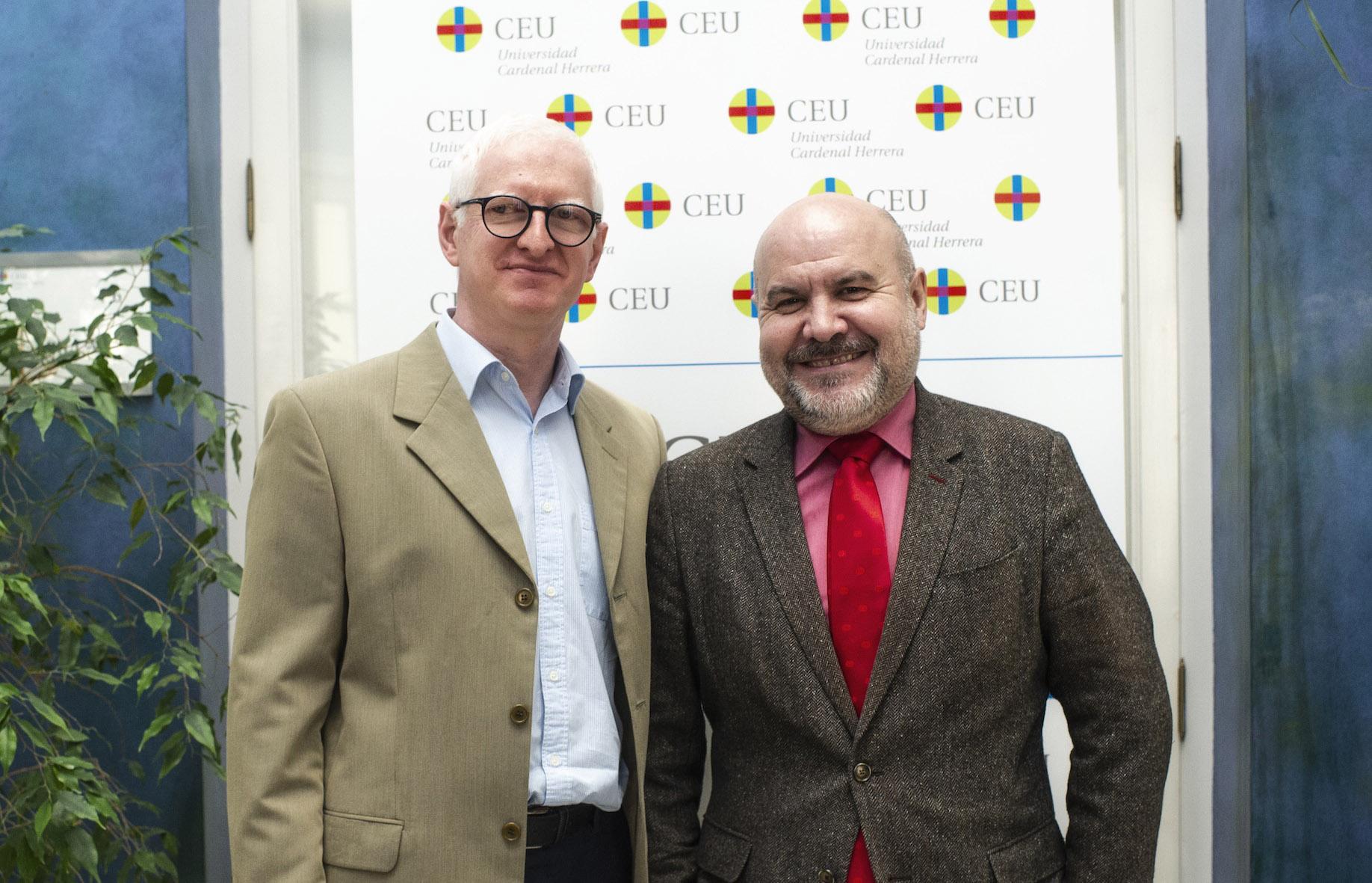 Josep Solves, director del Instituto ODISEAS de la CEU UCH, y Luis Cayo Pérez Bueno, presidente del CERMI, en la sede del Palacio de Colomina-CEU.