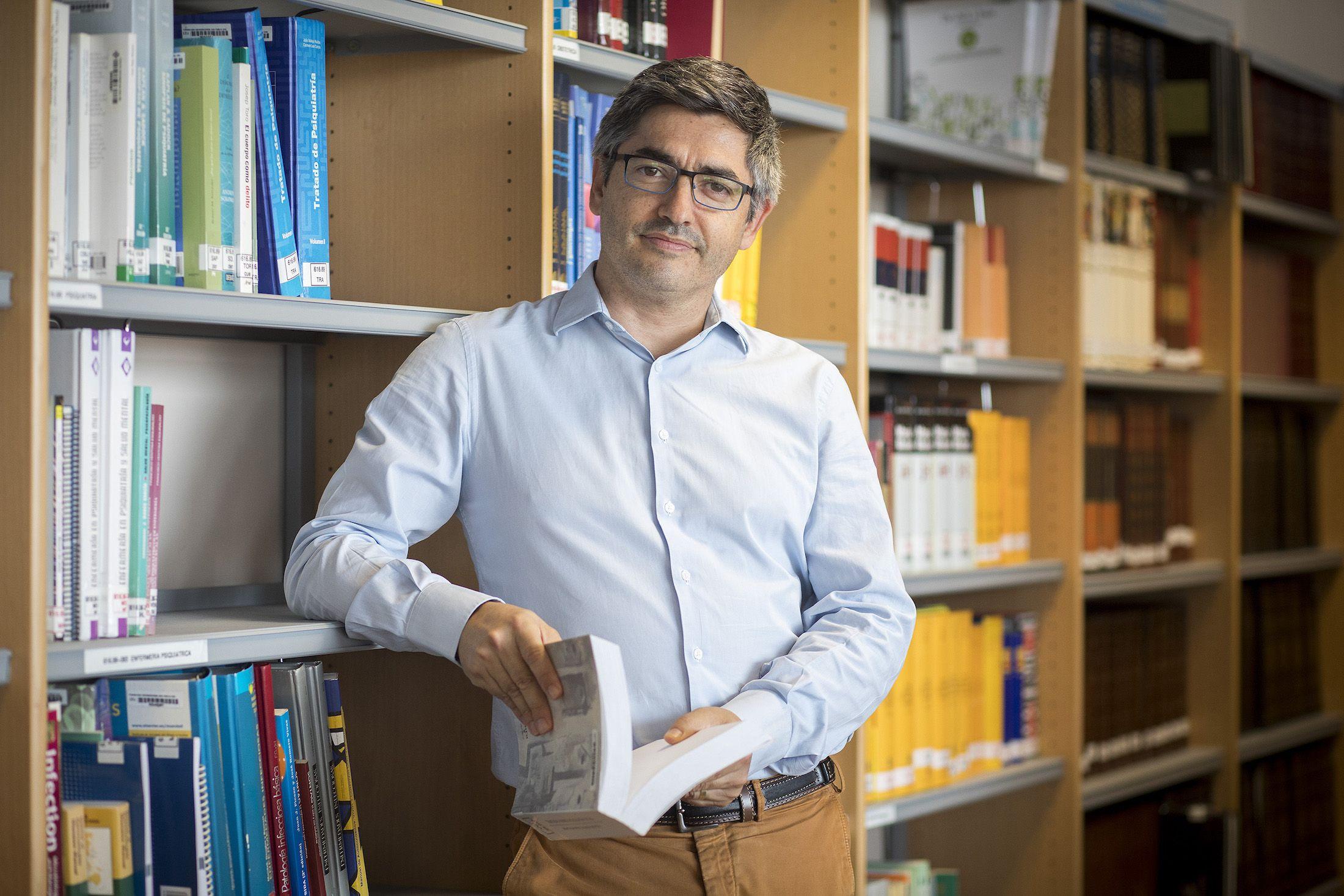 El doctor Gonzalo Haro Cortés, profesor de Salud Mental en el Grado en Medicina de la CEU UCH y responsable del programa de patología dual grave del Hospital Provincial de Castellón.