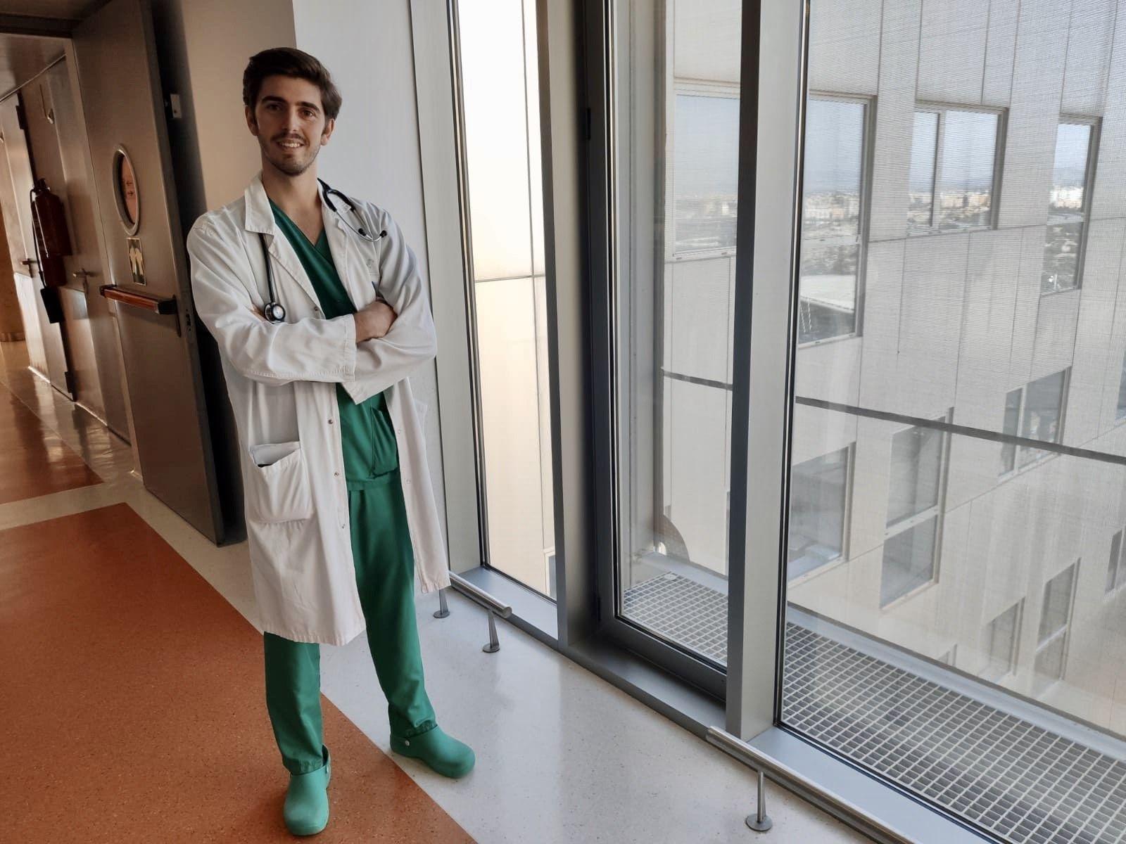 Zóser Saura, graduado en Medicina por la CEU UCH, es ahora médico residente en Cartagena.