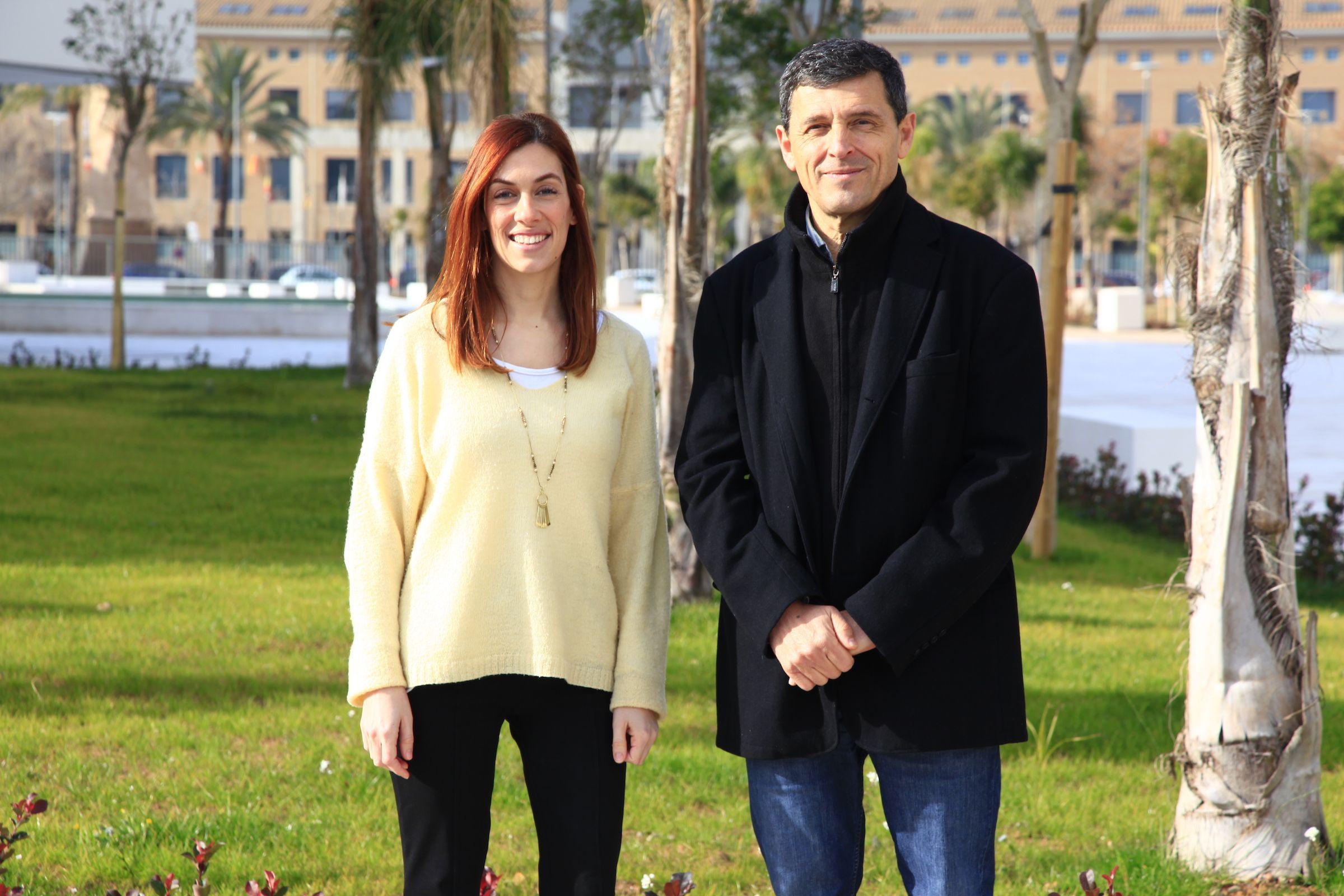 Los profesores investigadores de la Unidad de Etología y Bienestar Animal de la CEU UCH Clara Llamazares y Federico Guillén, coautores del estudio.