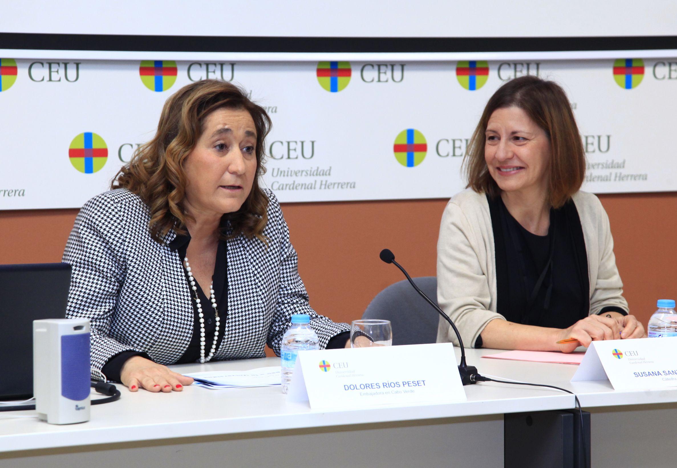 La embajadora Dolores Ríos, formada en Derecho en el CEU, y la catedrática Jean Monnet de la CEU UCH Susana Sanz.