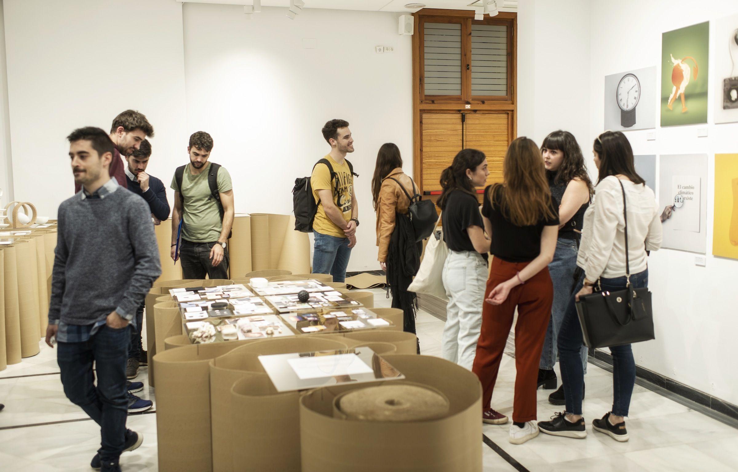 La exposición de jóvenes diseñadores de los Másteres en Diseño de la CEU UCH, Design Works 2020, abierta esta semana al público en el Palacio de Colomina de Valencia.