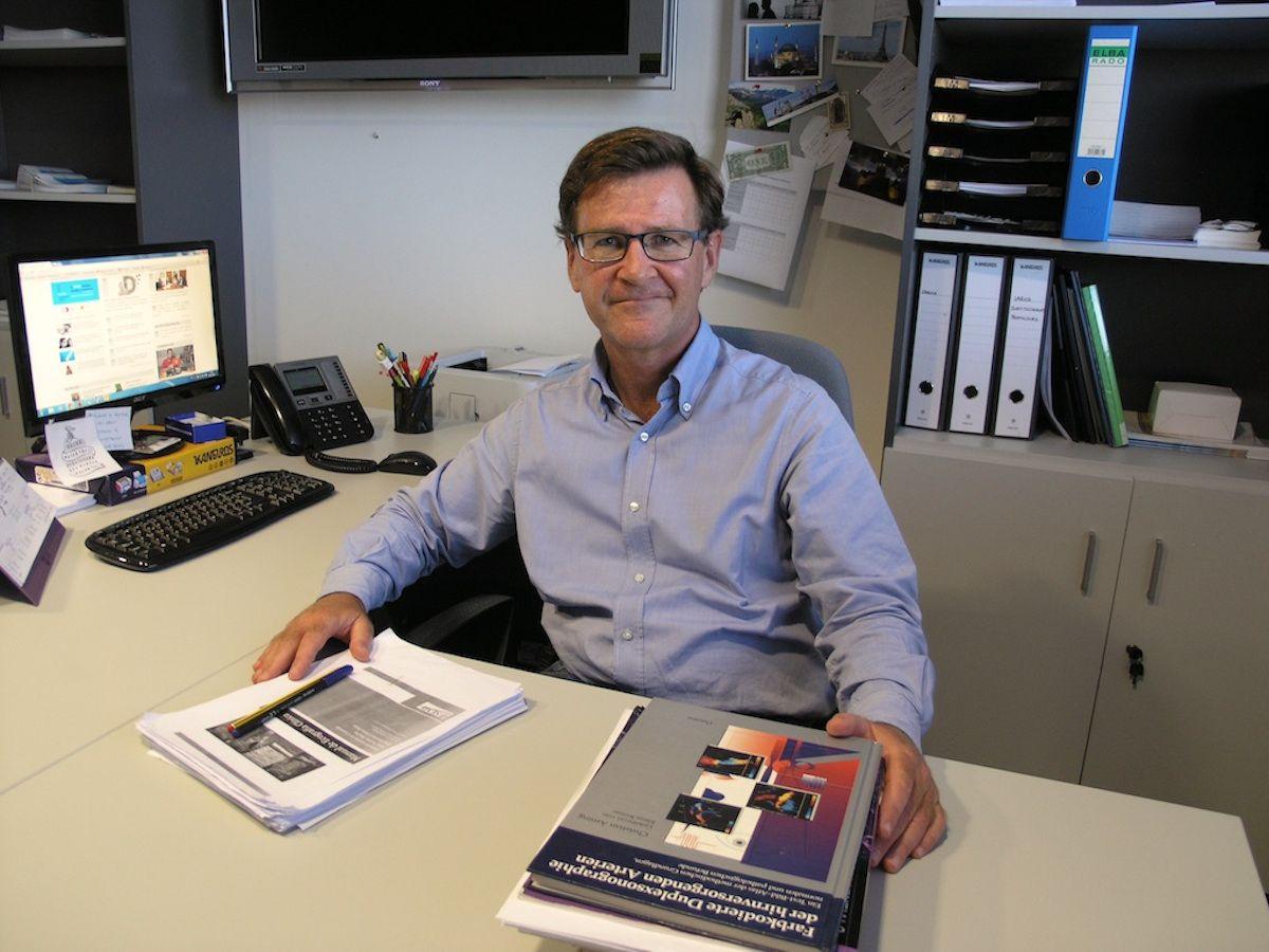 El profesor de Medicina Interna de la CEU UCH Enrique Rodilla Sala, recientemente nombrado presidente de la SMICV, es uno de los dos representantes de España en la red europea VascAgeNet.