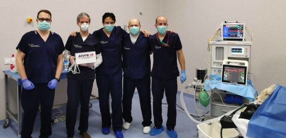 El equipo Acute-19 durante la fase de validación en modelo animal del prototipo, en el Hospital Clínico Veterinario de la Universidad CEU Cardenal Herrera de Valencia.