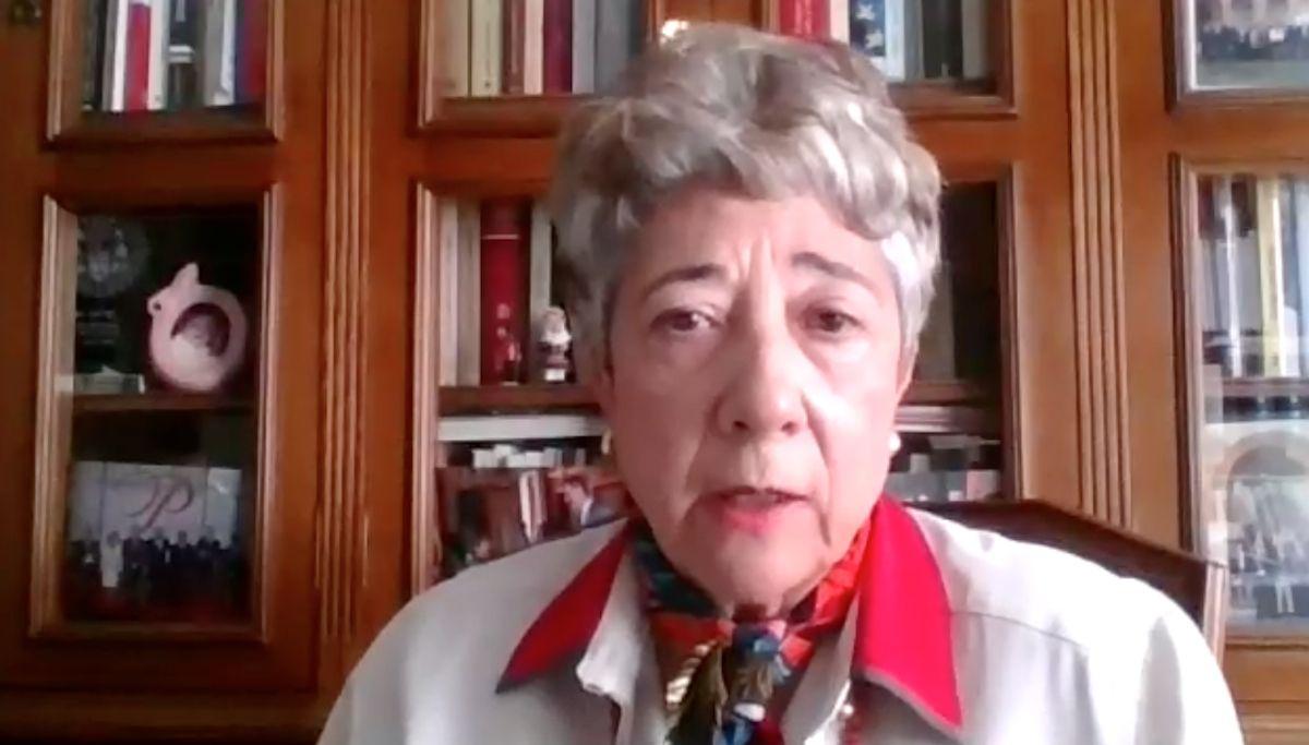 Araceli Mangas, catedrática de Derecho Internacional Público de la Complutense, durante el coloquio digital organizado por la Cátedra Jean Monnet de la Universidad CEU Cardenal Herrera.