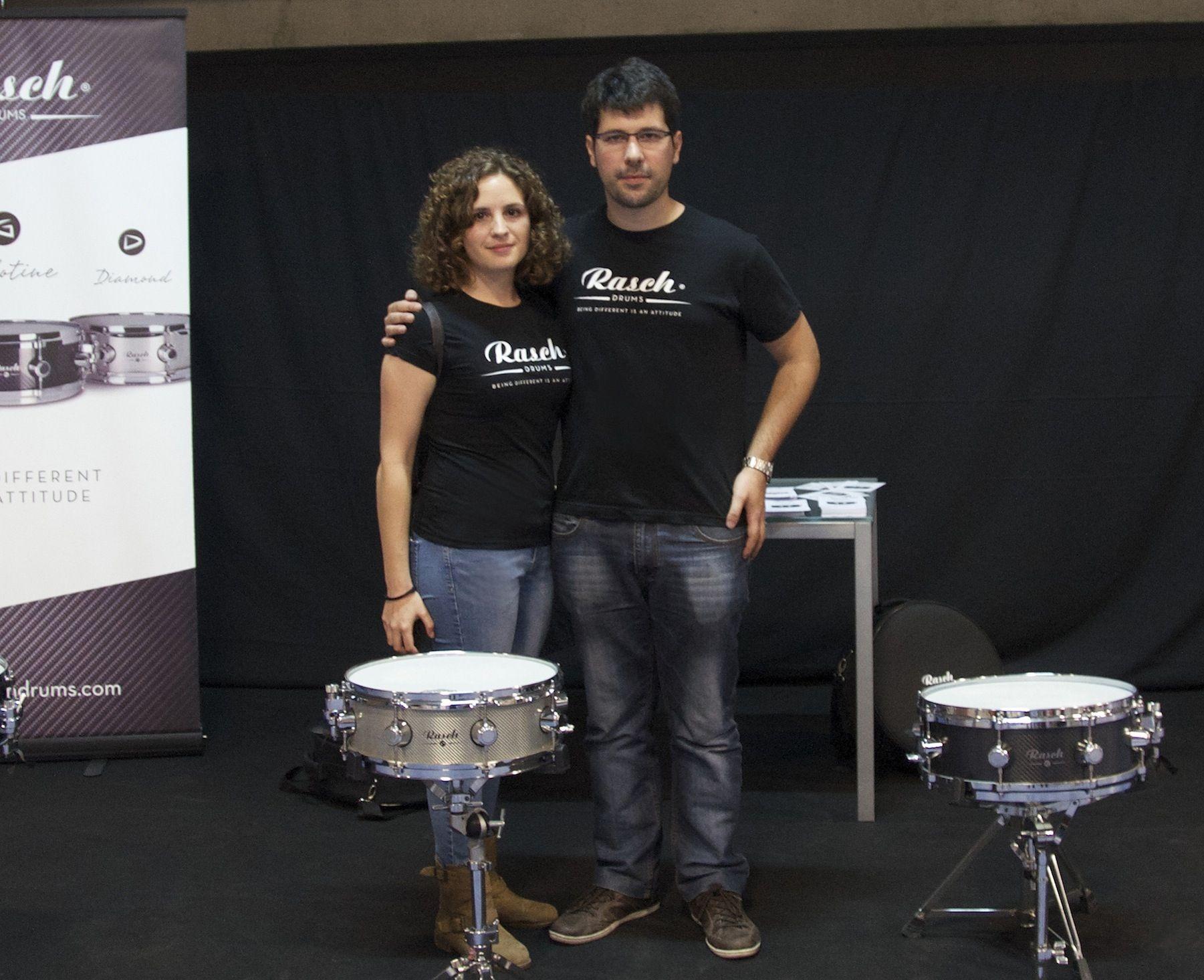 """Patricia Clemente y Manuel Ibáñez, ingenieros valencianos formados en la CEU UCH y creadores de Rasch Drums, empresa galardonada con el """"Best Snare Drum Manufacturer 2020""""."""