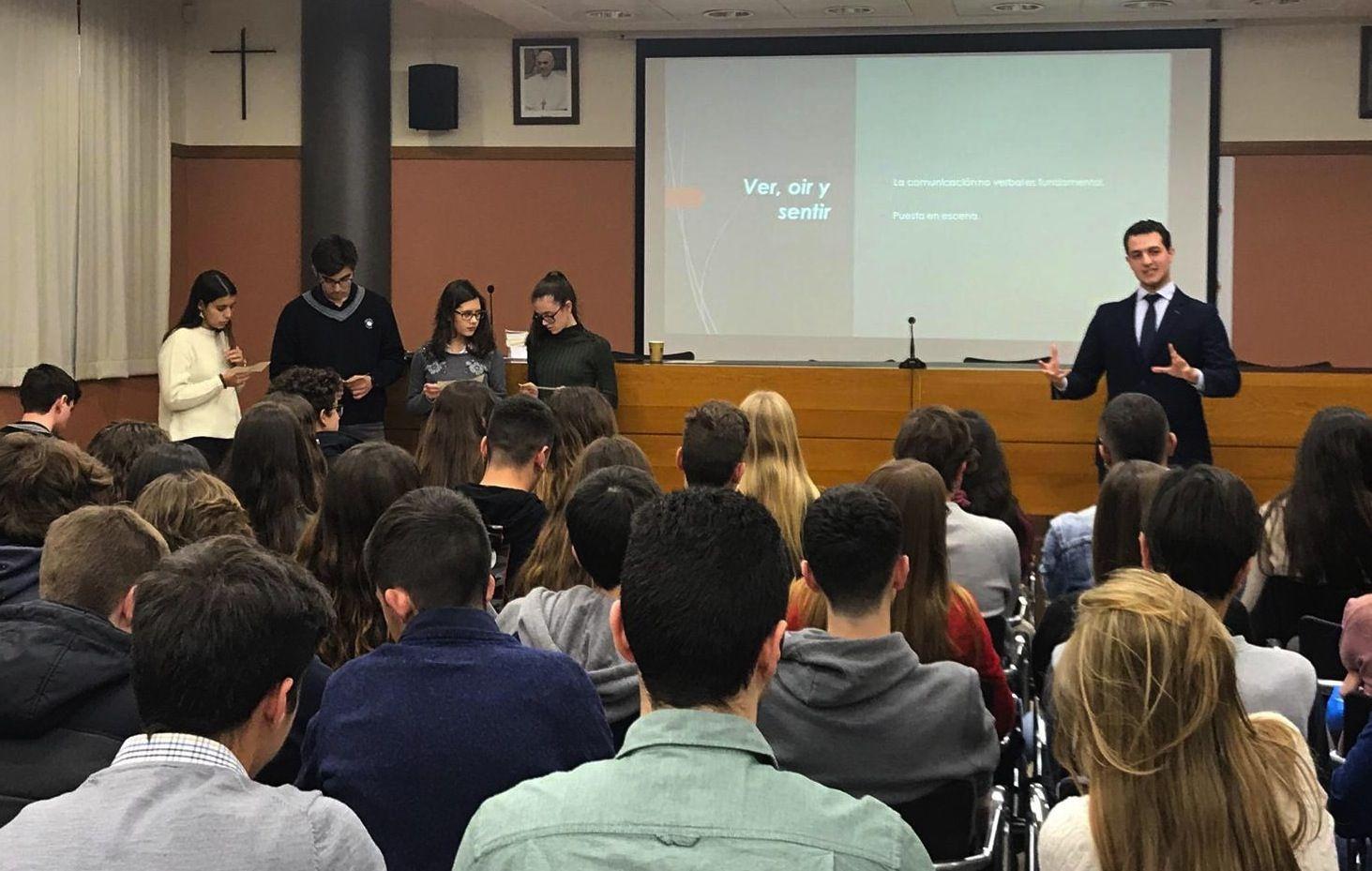 En su etapa como profesor en la CEU UCH, Daniel Torres ha participado en actividades académicas de la Facultad, como la Olimpiada jurídica para preuniversitarios.